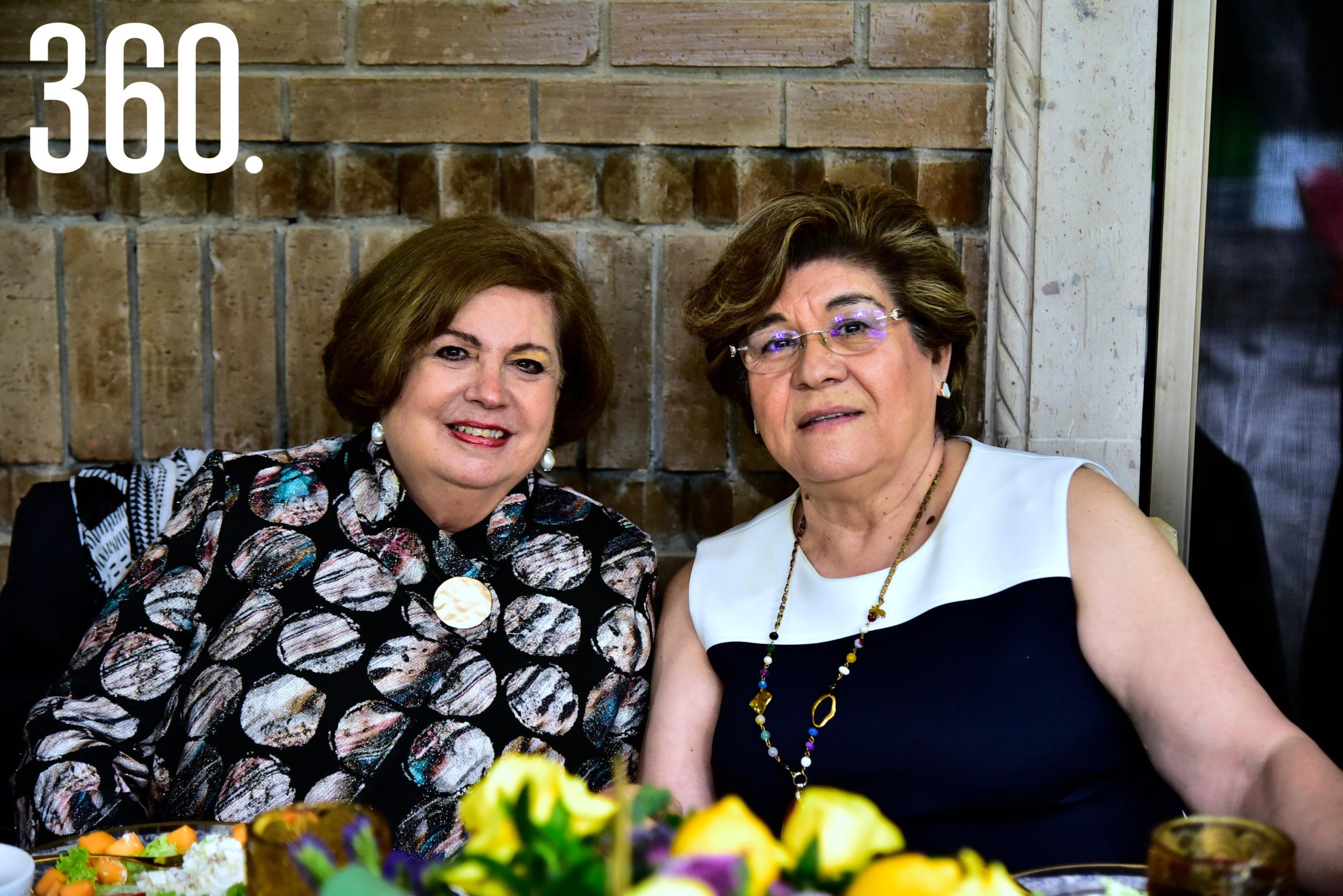 María Eugenia Quintanilla de Spagnoli y Vange Vidales de Tamez.
