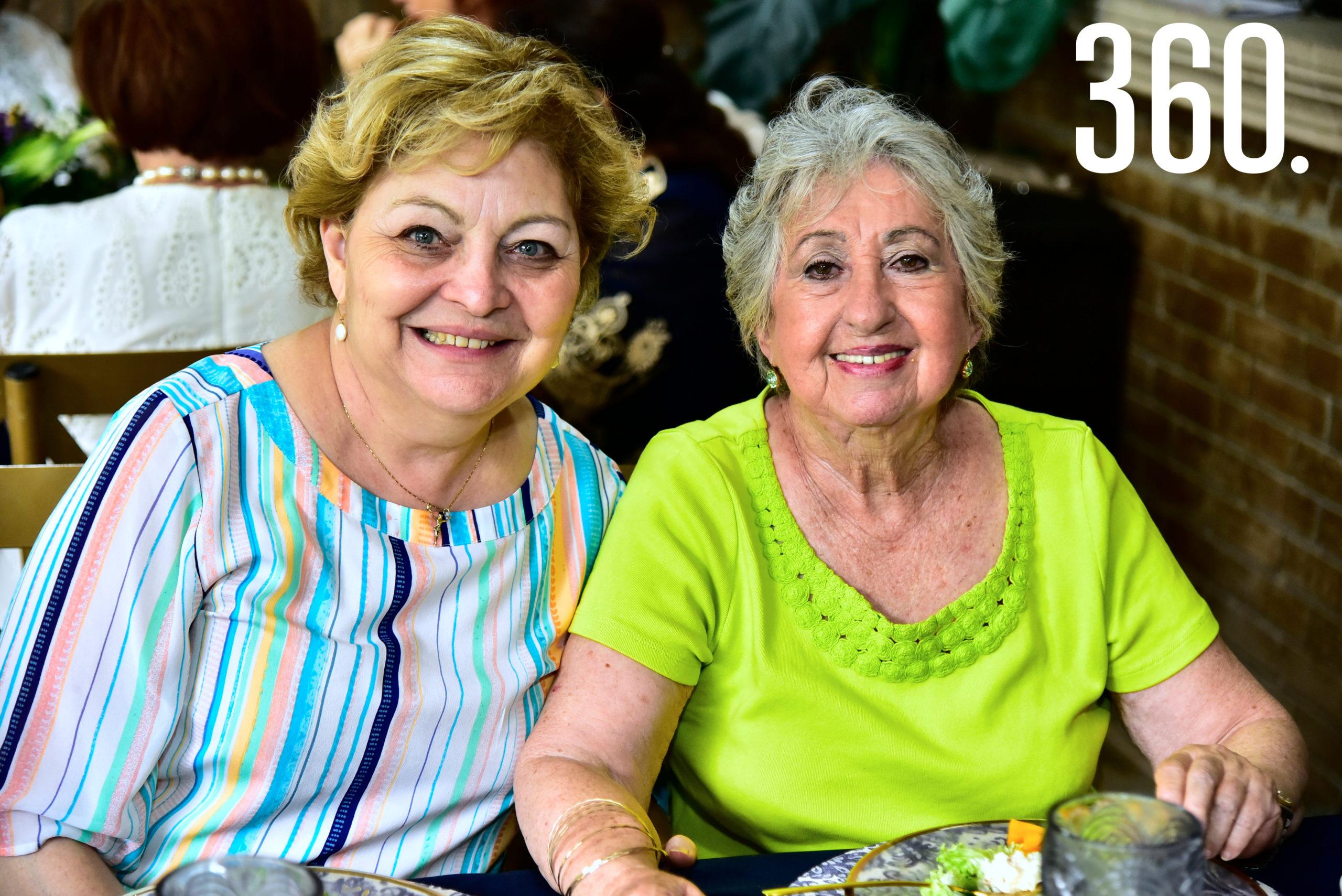 Mimí Amarante de De la Fuente y Gabriela Dávila.