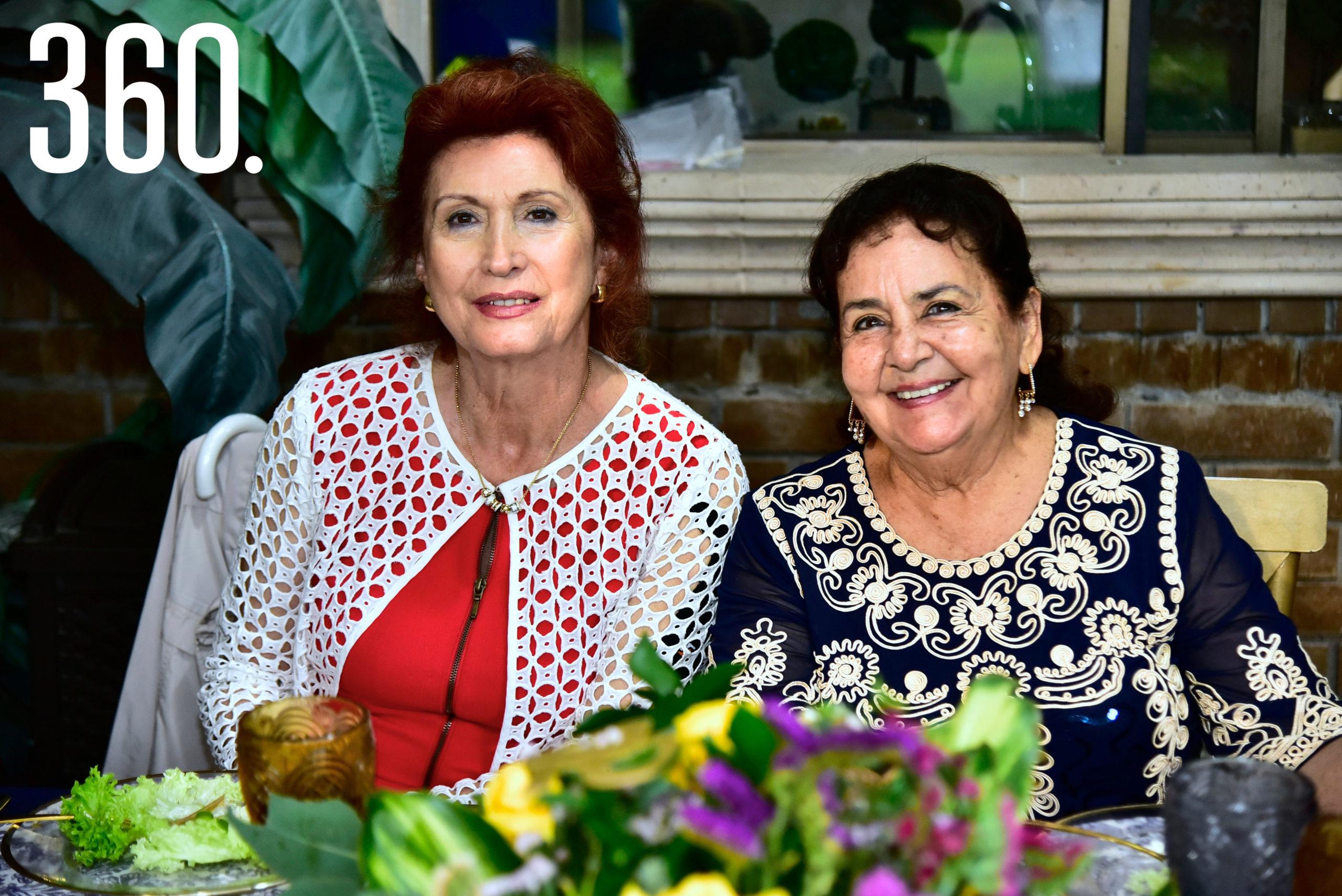 Silvia Oropeza y Rosy Santoscoy.