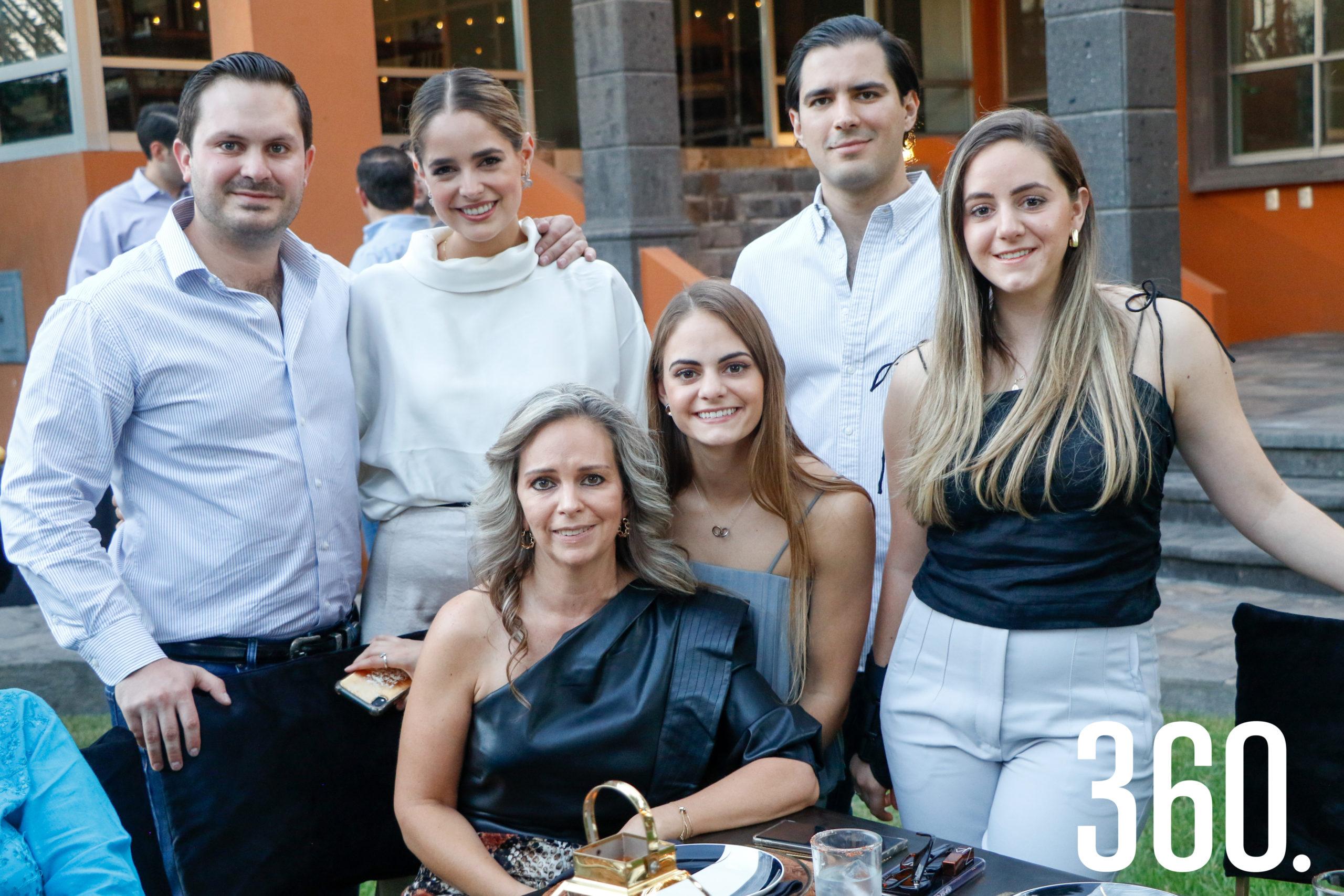 Rosendo Villarreal, Daniela García, Fernando Garza, Sofía Villarreal, Gabriela Samperio y Ana Paula Villarreal.