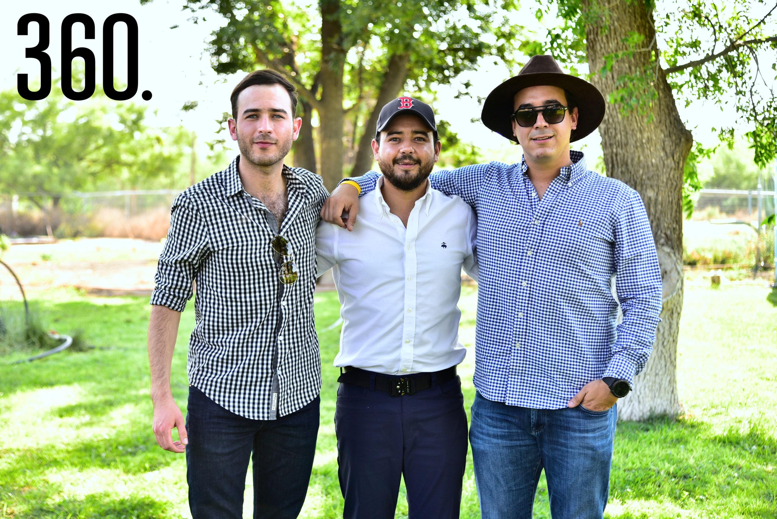 Raúl Dávila, Eduardo Dávila y Sebastián Montiel.