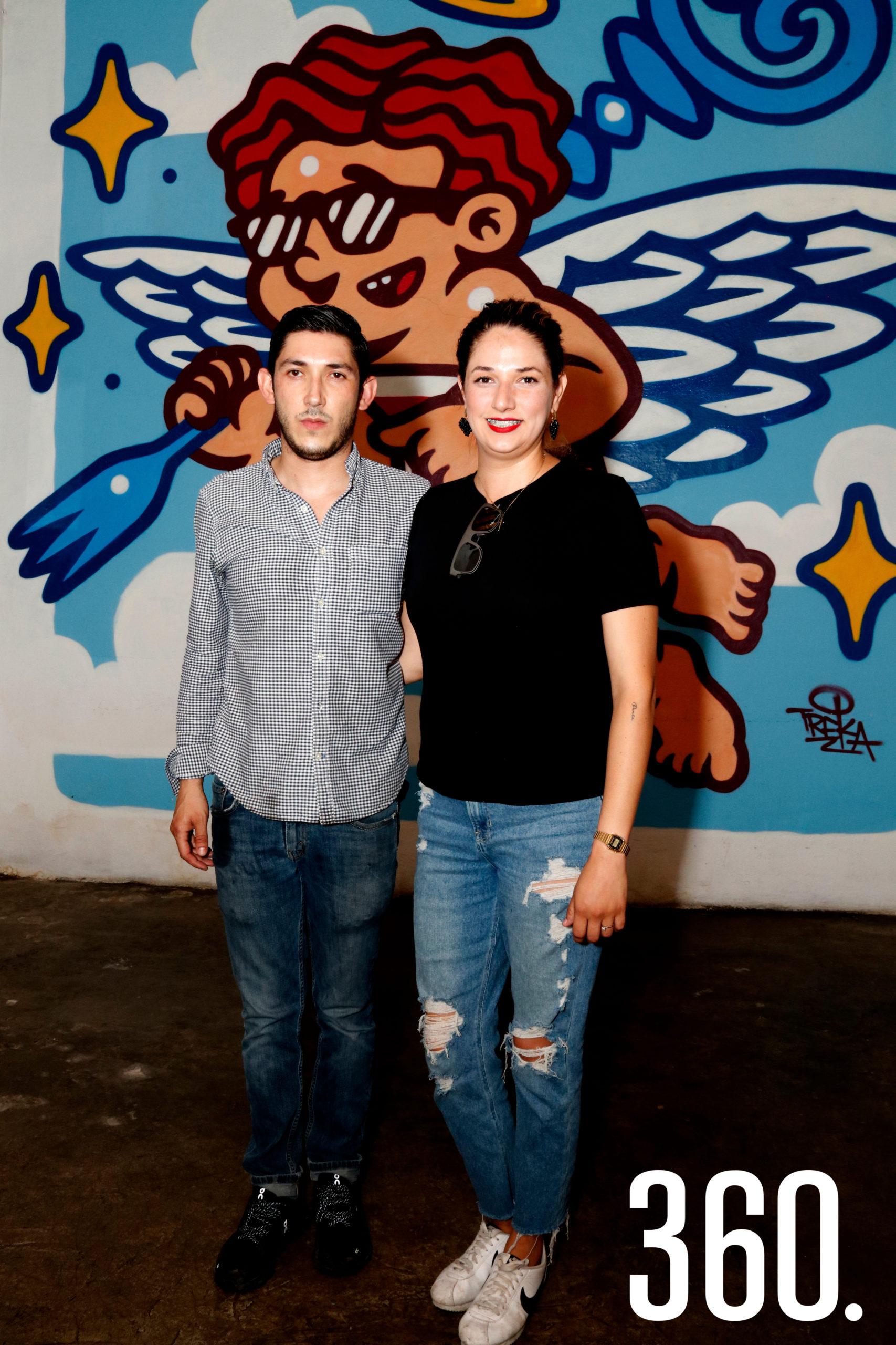 """Los chefs Jesús Torres e Ilse Guerra agradecieron el apoyo de sus clientes en los primeros 11 años de su restaurante & bar """"La puerta al cielo""""."""