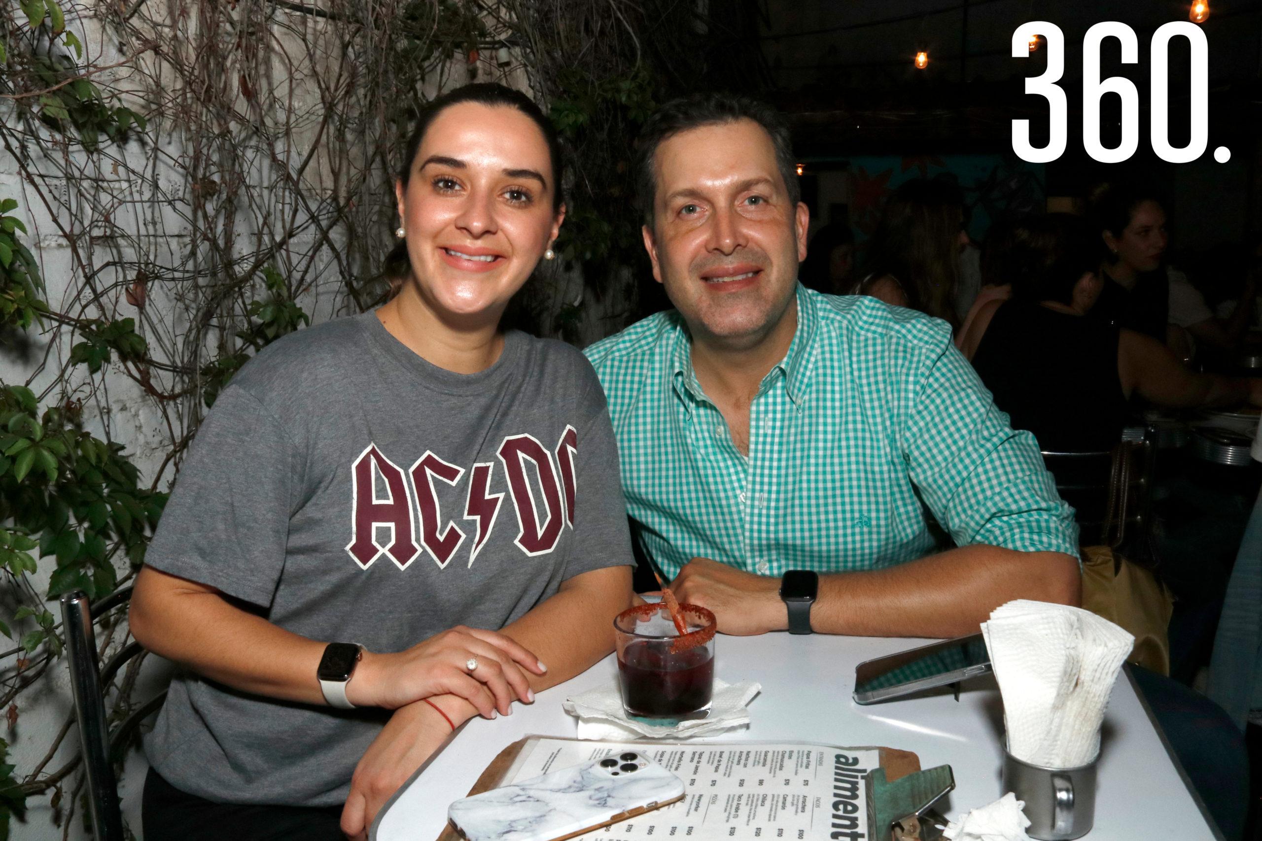 Ana Lucía Paz y Armando Castilla.