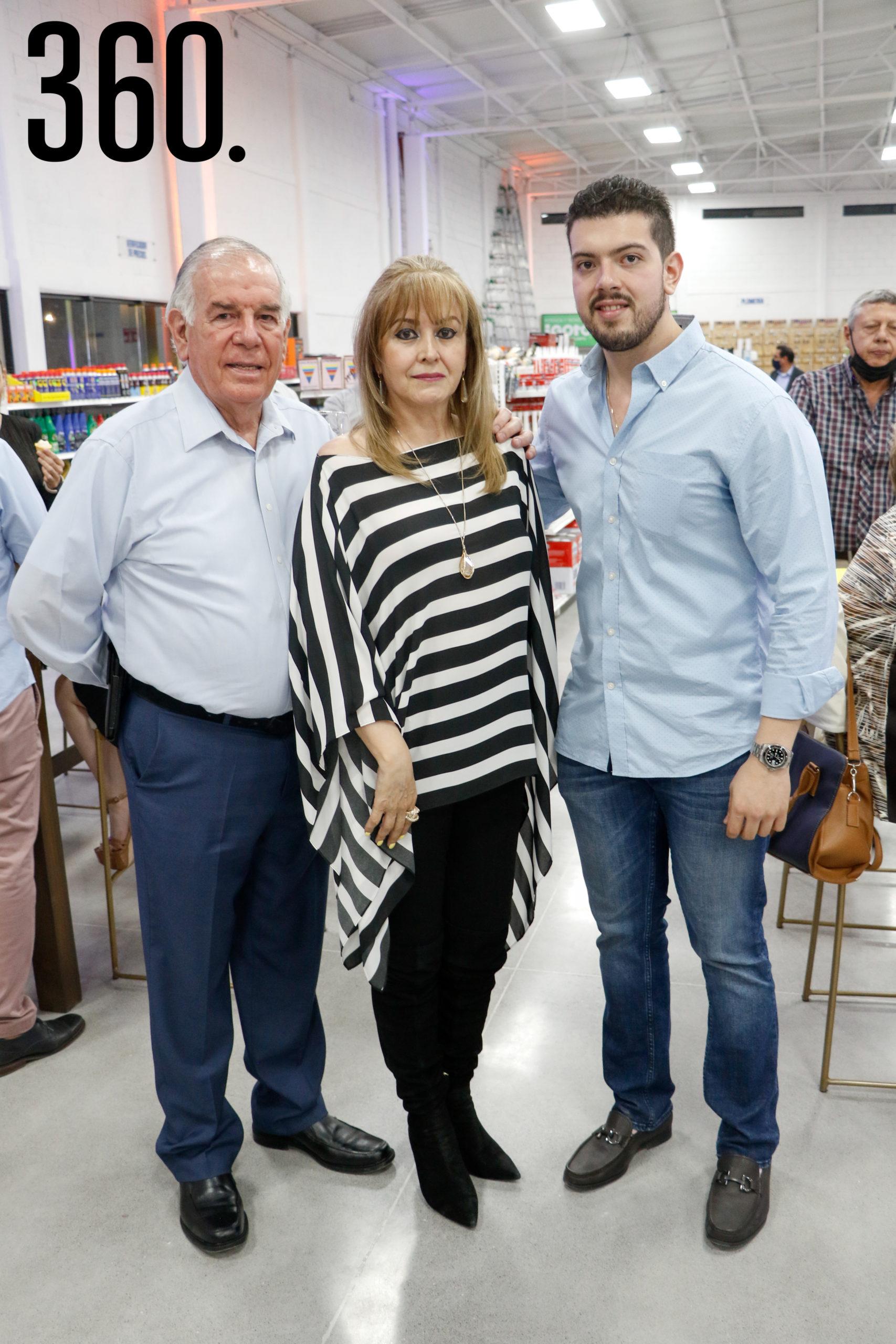 Jorge Güitron, Gretel Barba y Alejandro Güitron.