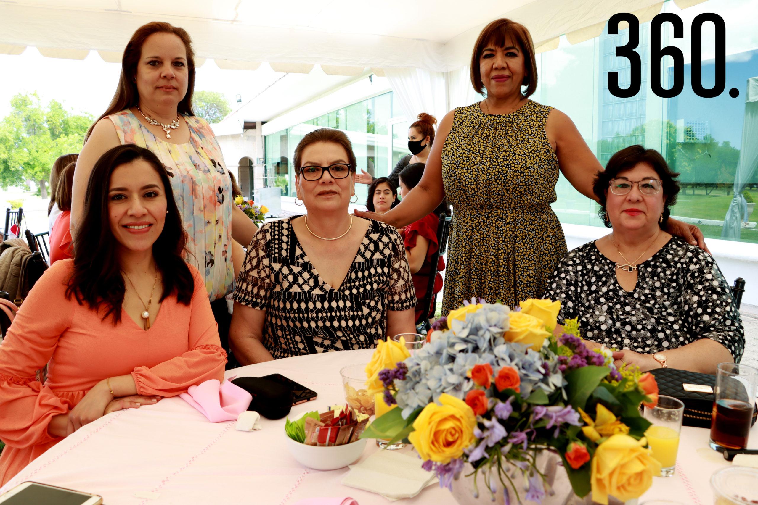 Nancy Farías, Elba Leija, Paty Trujillo, María Elena García y Magdalena Sánchez.