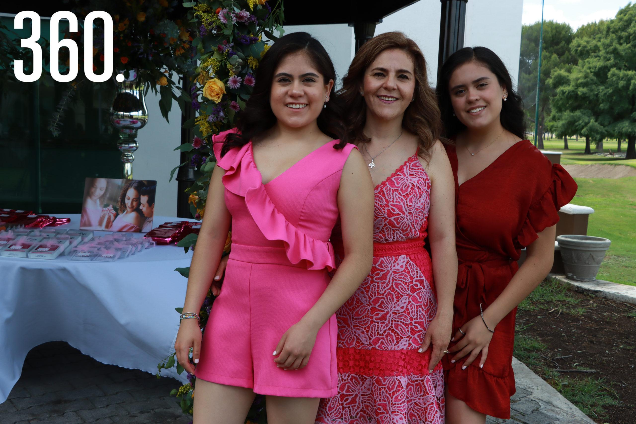 Yalile Rodríguez, Yolanda Ramos y Amira Rodríguez.