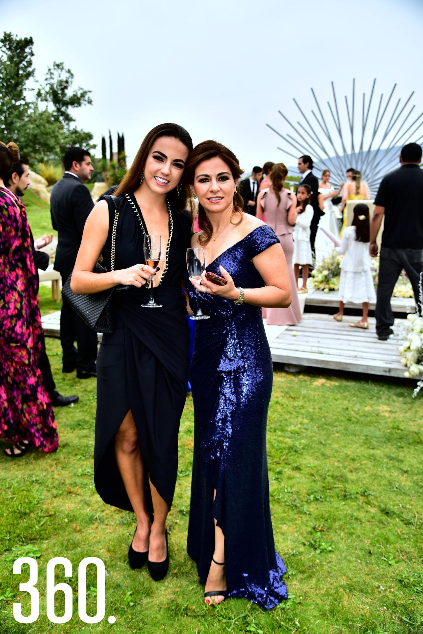 Natalia González y Carla Solís.