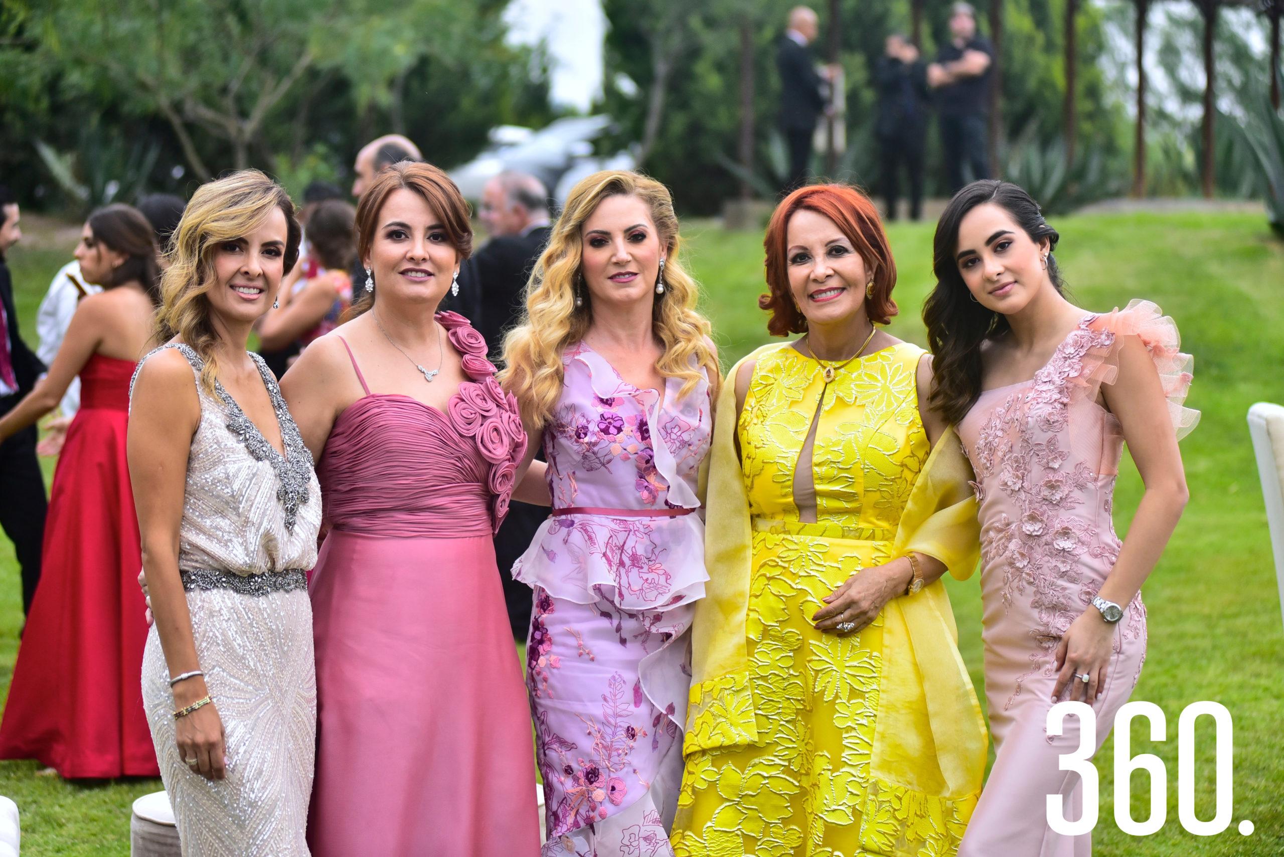 Claudia Valdés de Villarreal, Olga Valdés, Gabriela Morales, Olga Sahagún de Valdés y Daniela Cepeda.