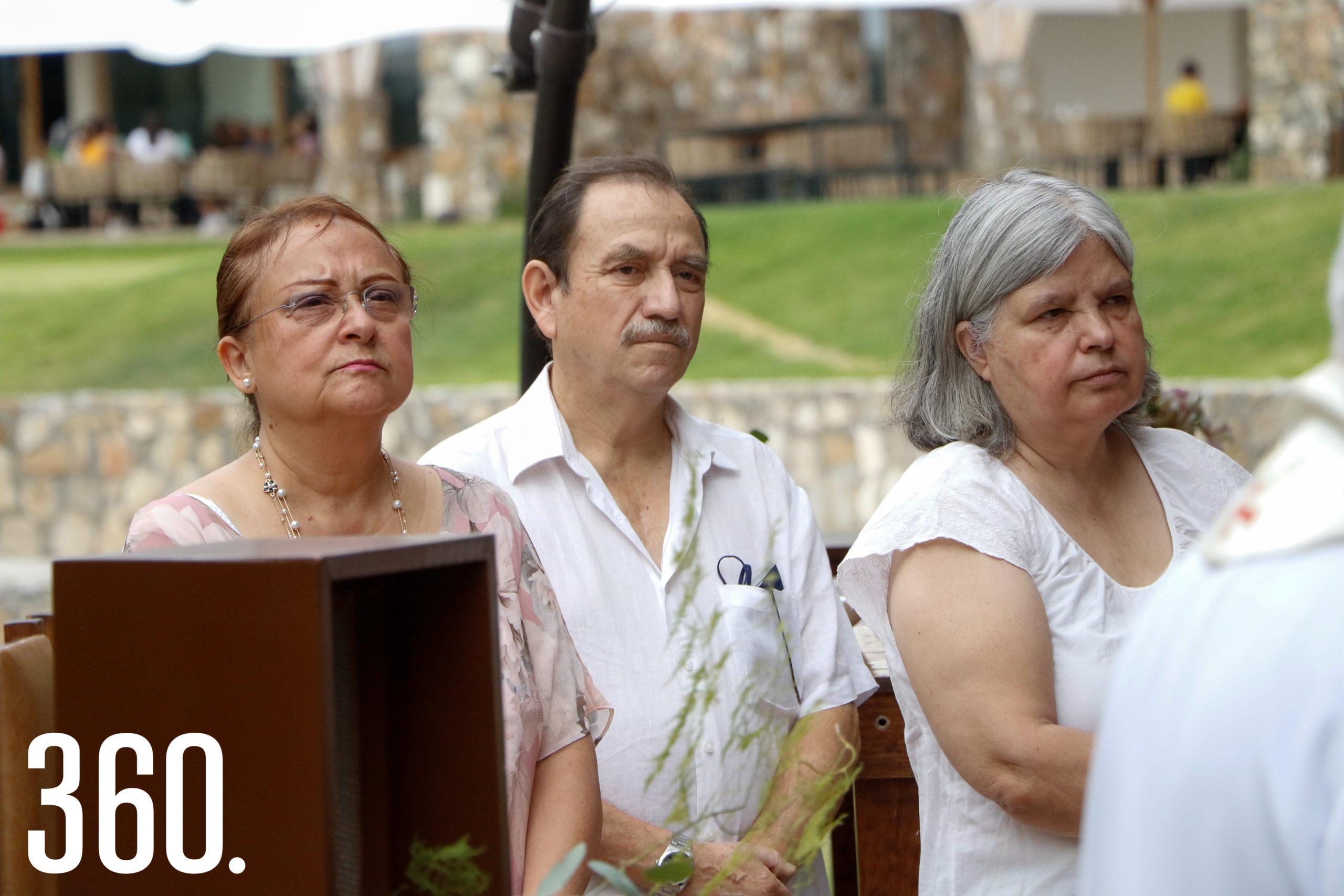 Leila Vázquez, Rafa Guzmán y Marcela Flores.