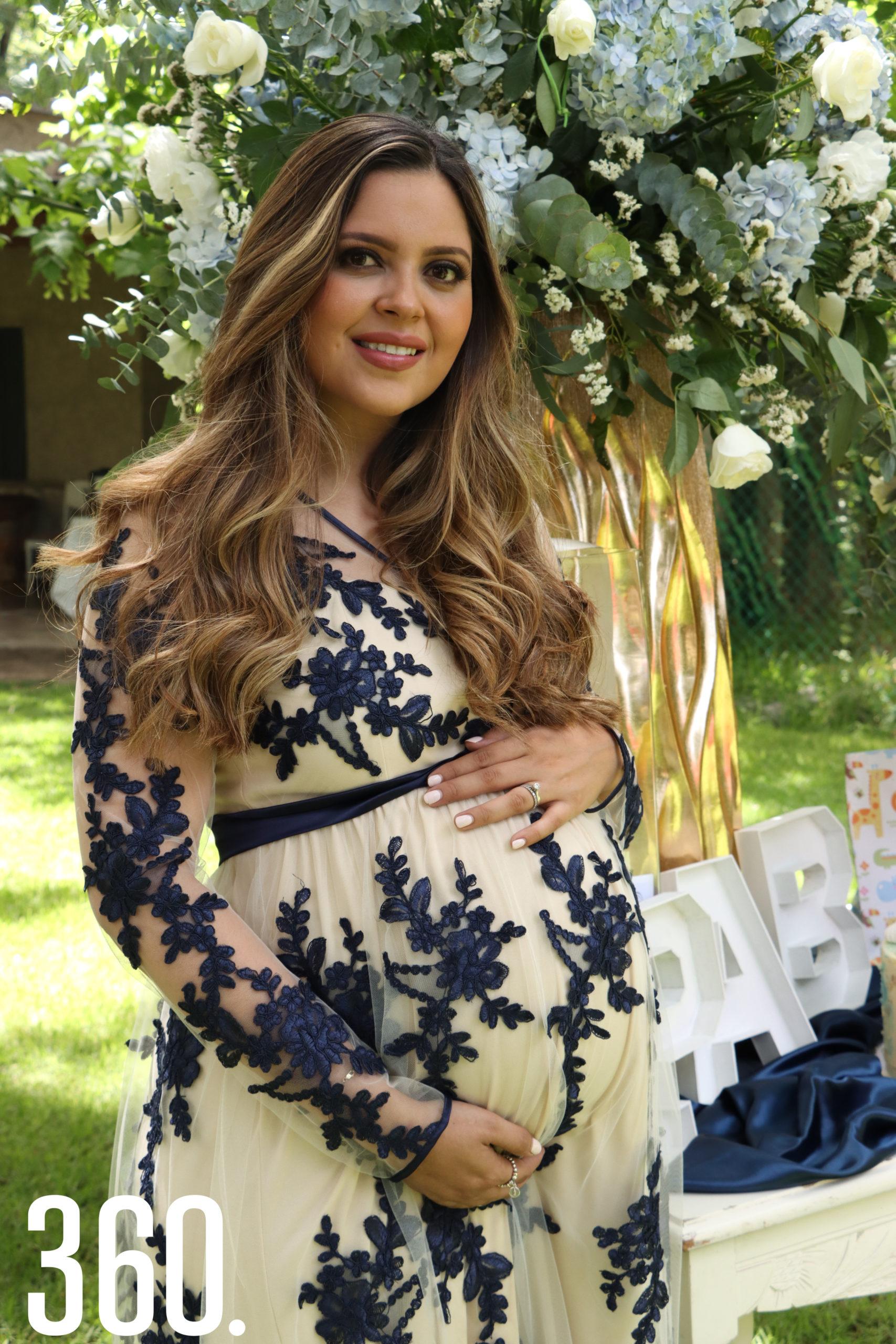 Gabriela Gómez de Peart espera el nacimiento de su primogénito para mediados de agosto.