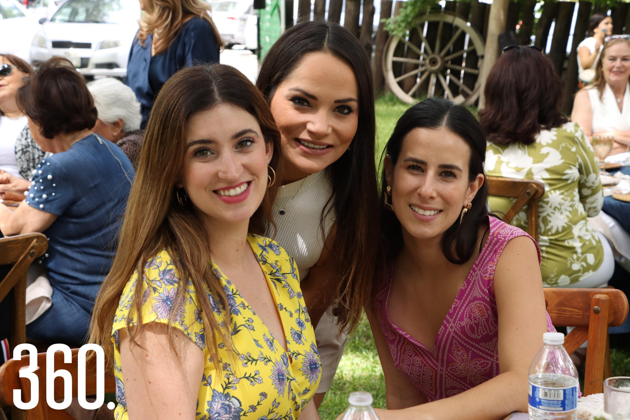 Irma Santoscoy, Lily de las Fuentes y Andrea Jiménez.