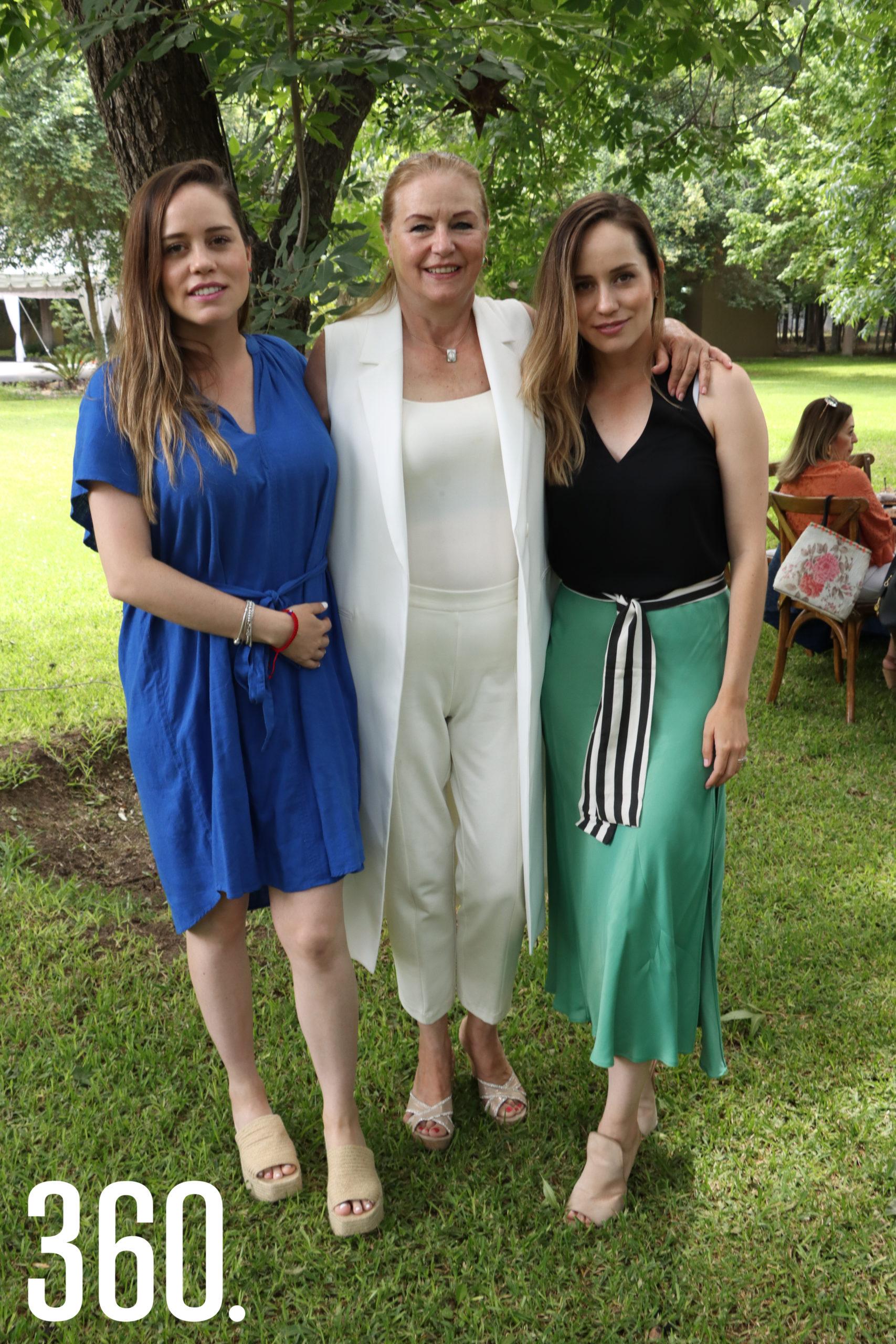 Marimar Arroyo, Martha Peart y Marijose Arroyo.
