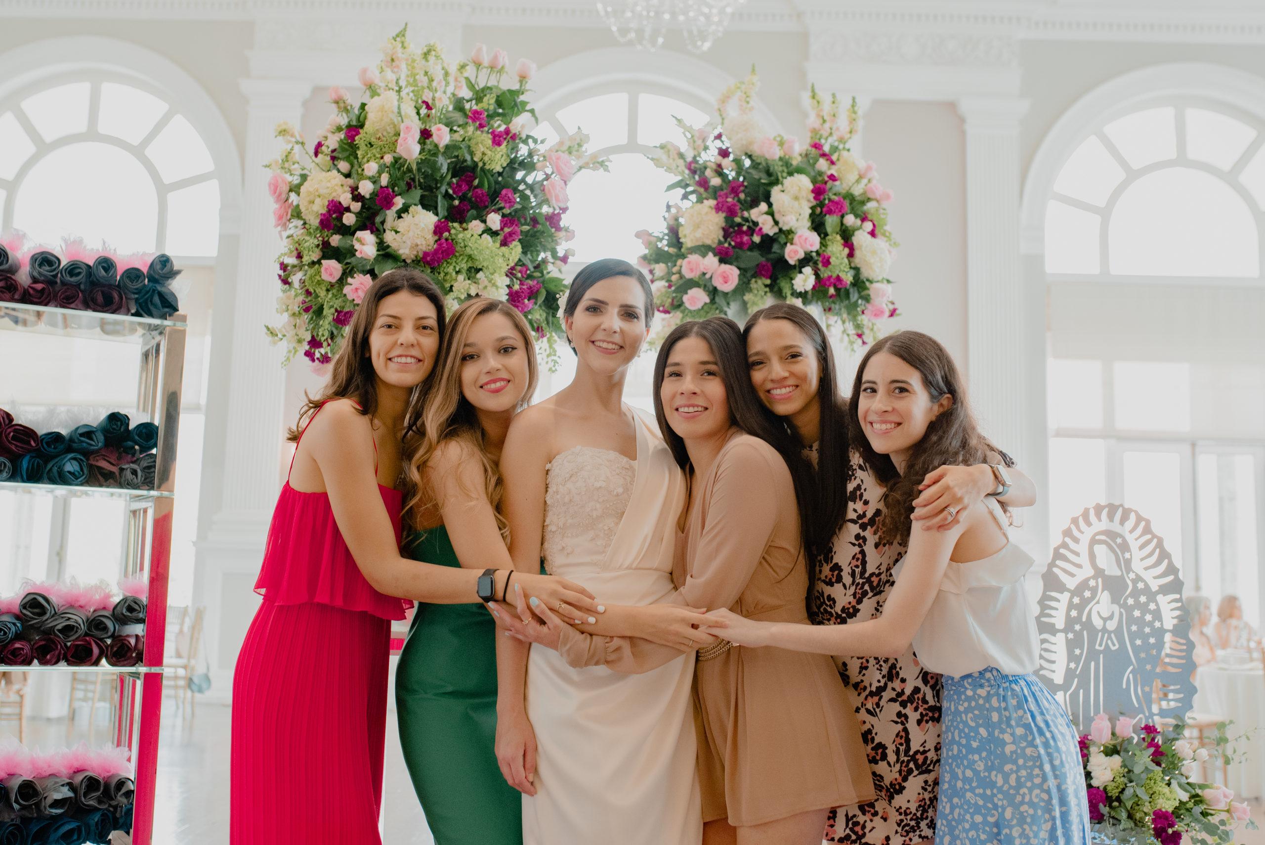 María Fernanda Casas, Gabriela Torres, la festejada, Andrea Aguilar, Sandra Avilés y Mónica Rivera.