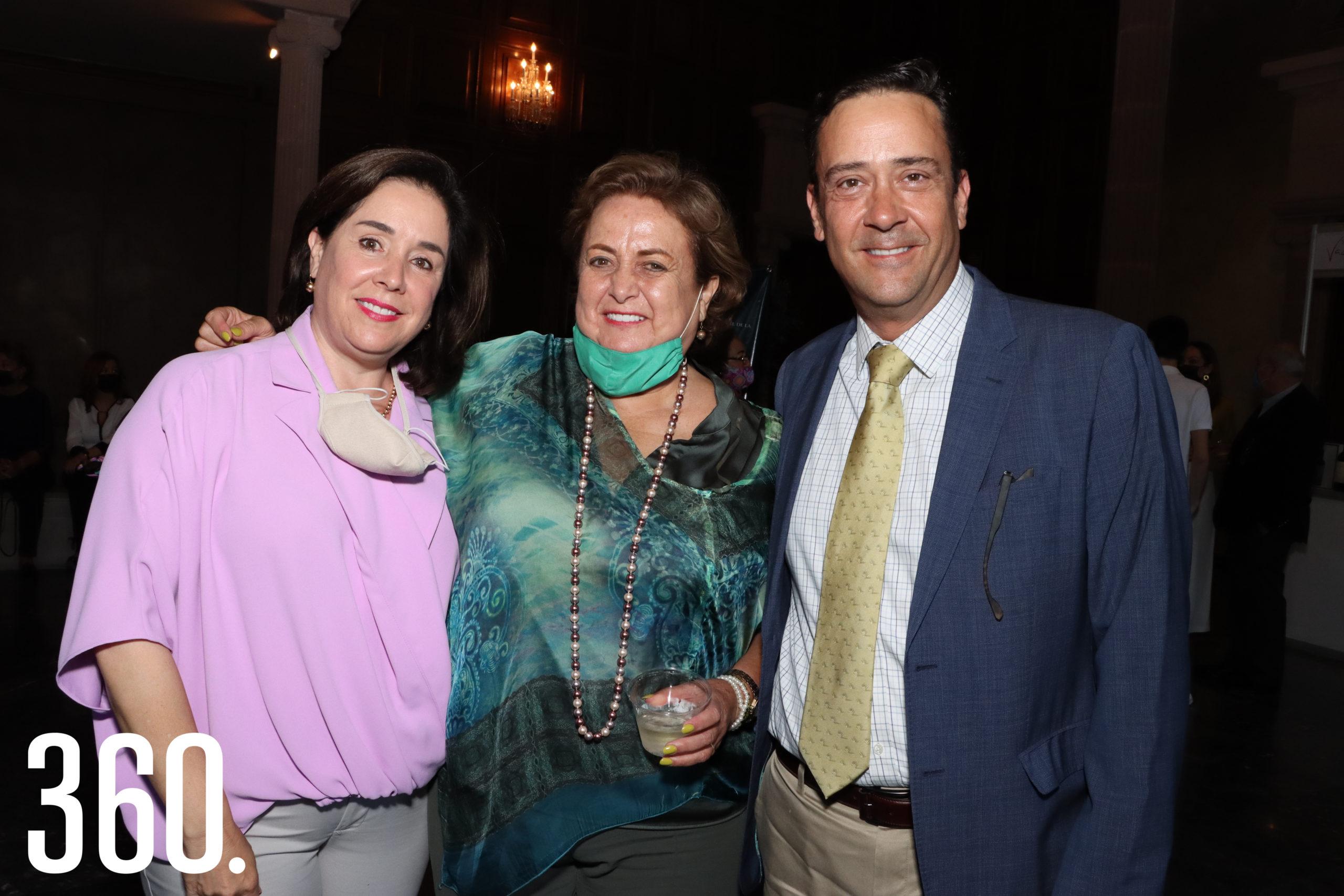 Luisa Fernanda Castilla, Pita Dewey Castilla y Juan Carlos Guerra.