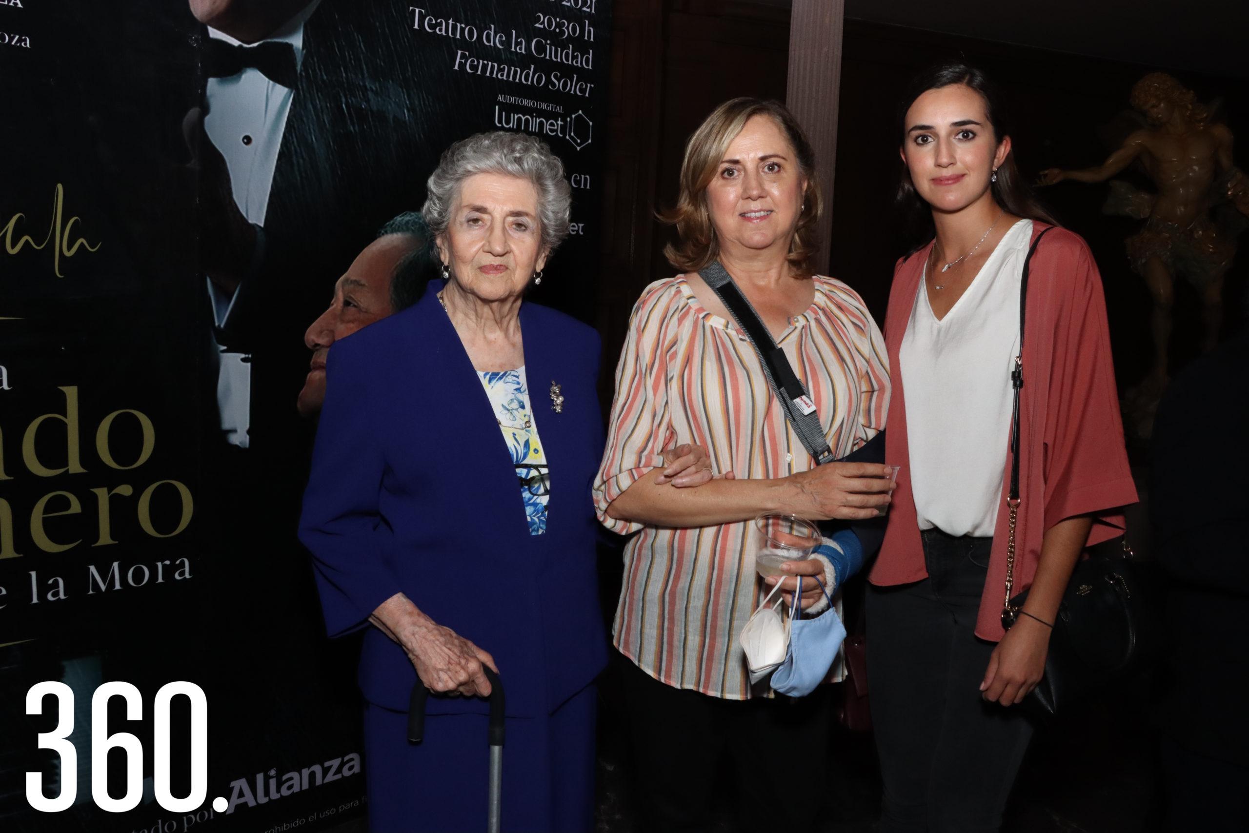 Mariana Rodríguez, Carmen Lobo y Sofía Aguirre.