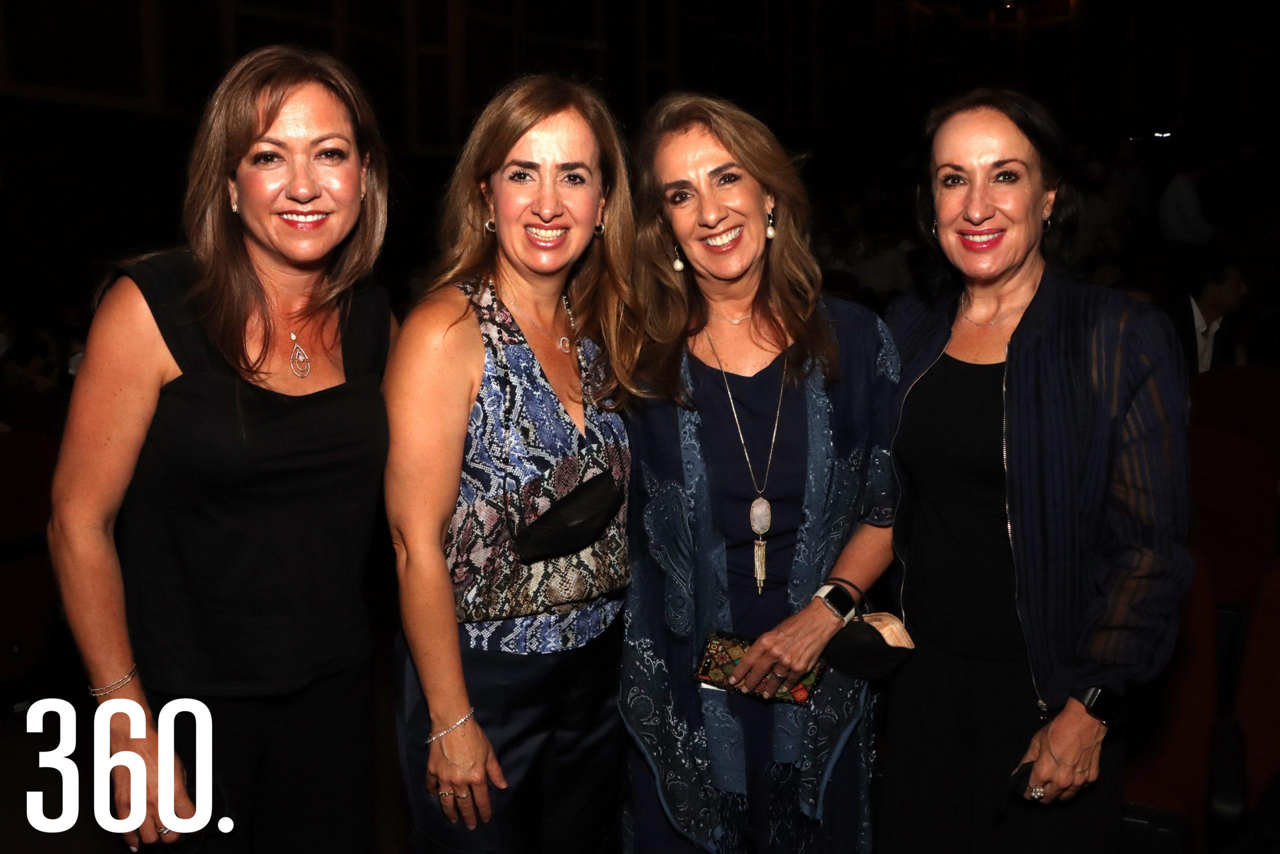 Linda Berchelman, Marines, Minis y Anabel Cárdenas.