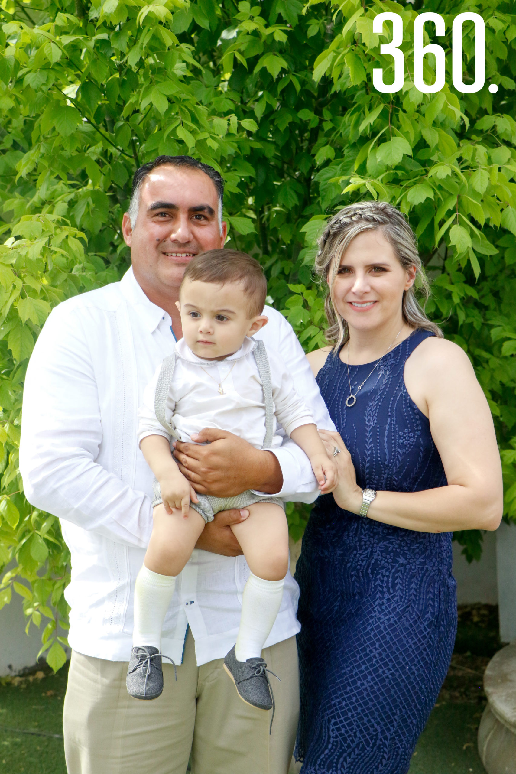 Jesús Figueroa, Mayra de Figueroa y Jesús Pedro.