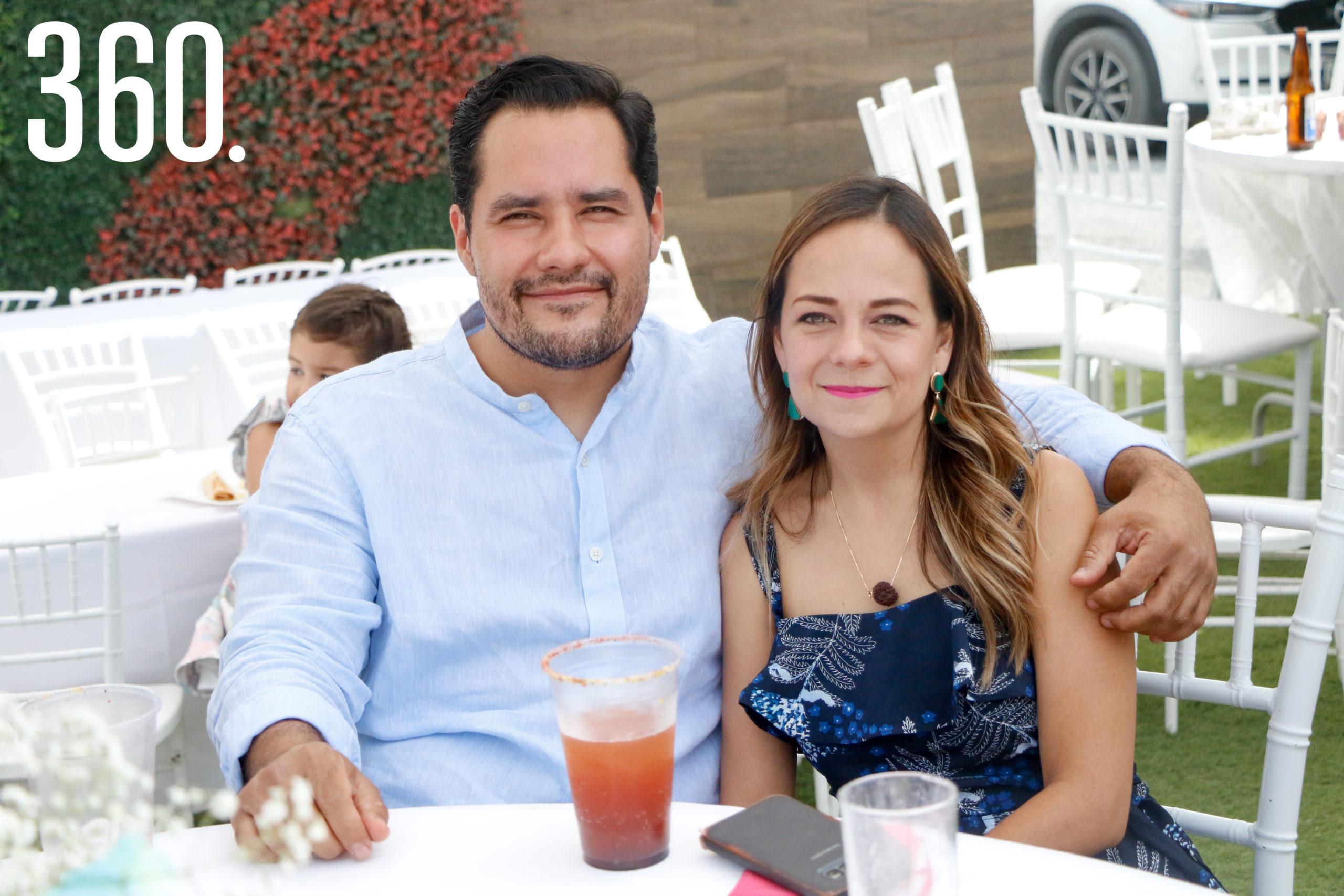 David Barragán y Adriana Esquivel.