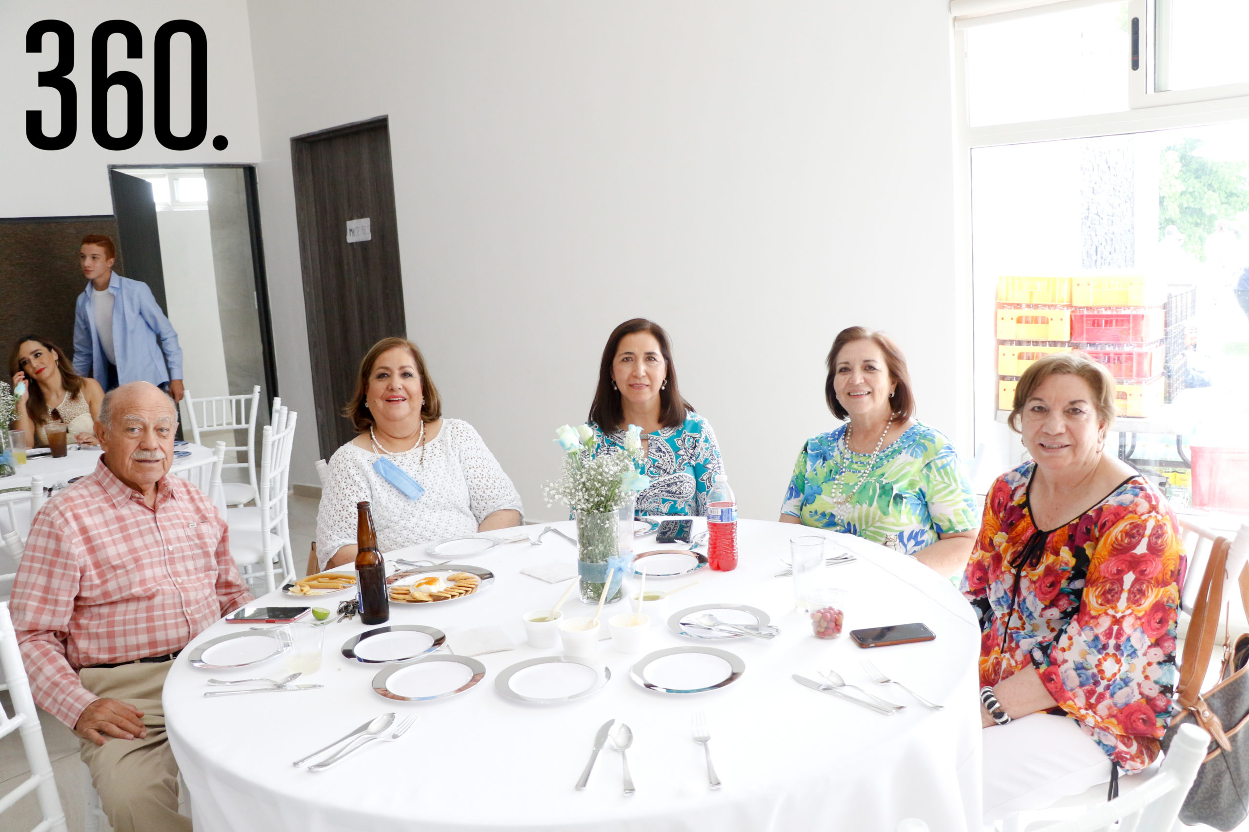 Álvaro Aguirre, Leyda Figueroa, Cuquis Figueroa, Patricia Gómez y Lety Figueroa.