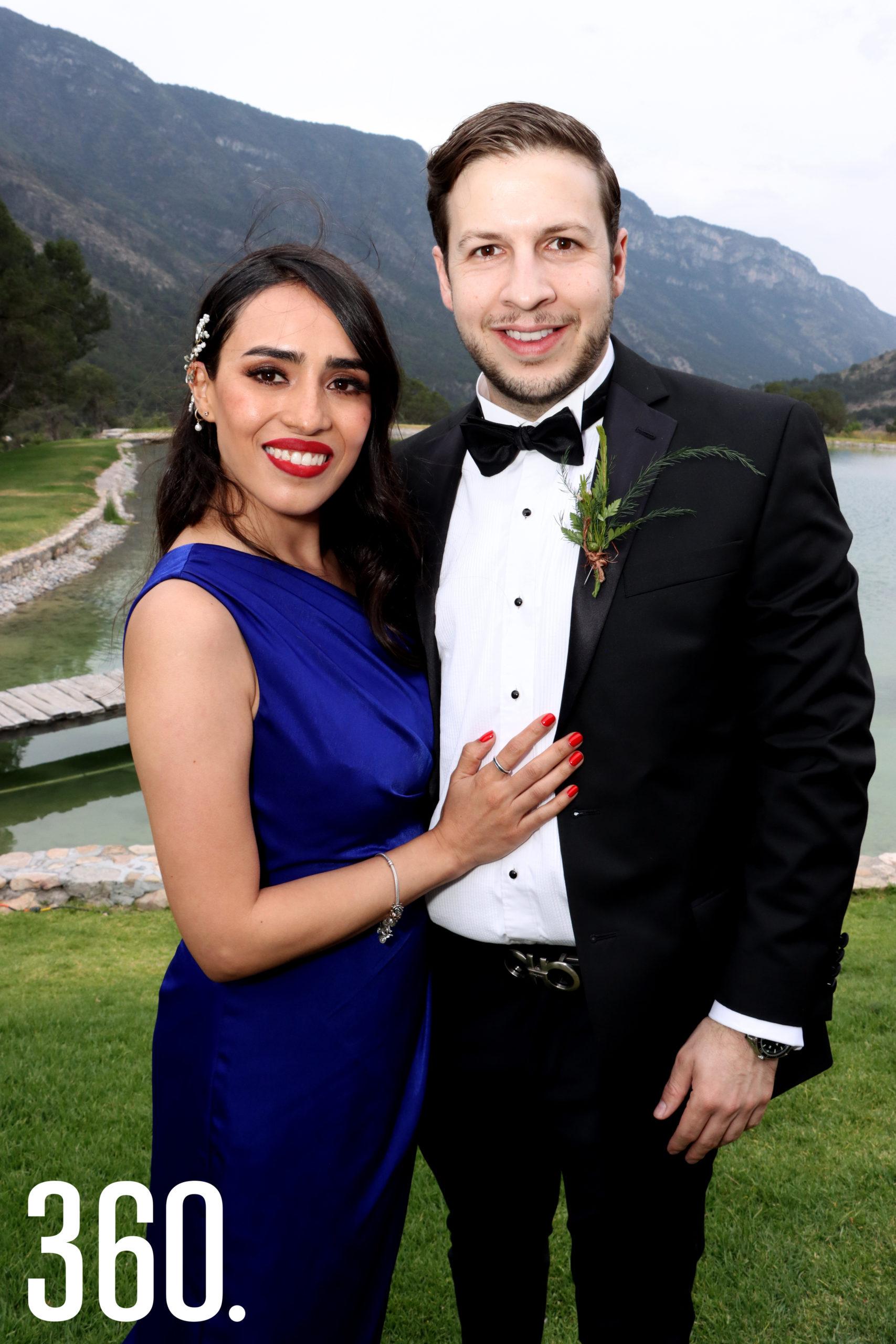 Andrea Saldaña y Emmanuel Álvarez fueron los padrinos de anillos.
