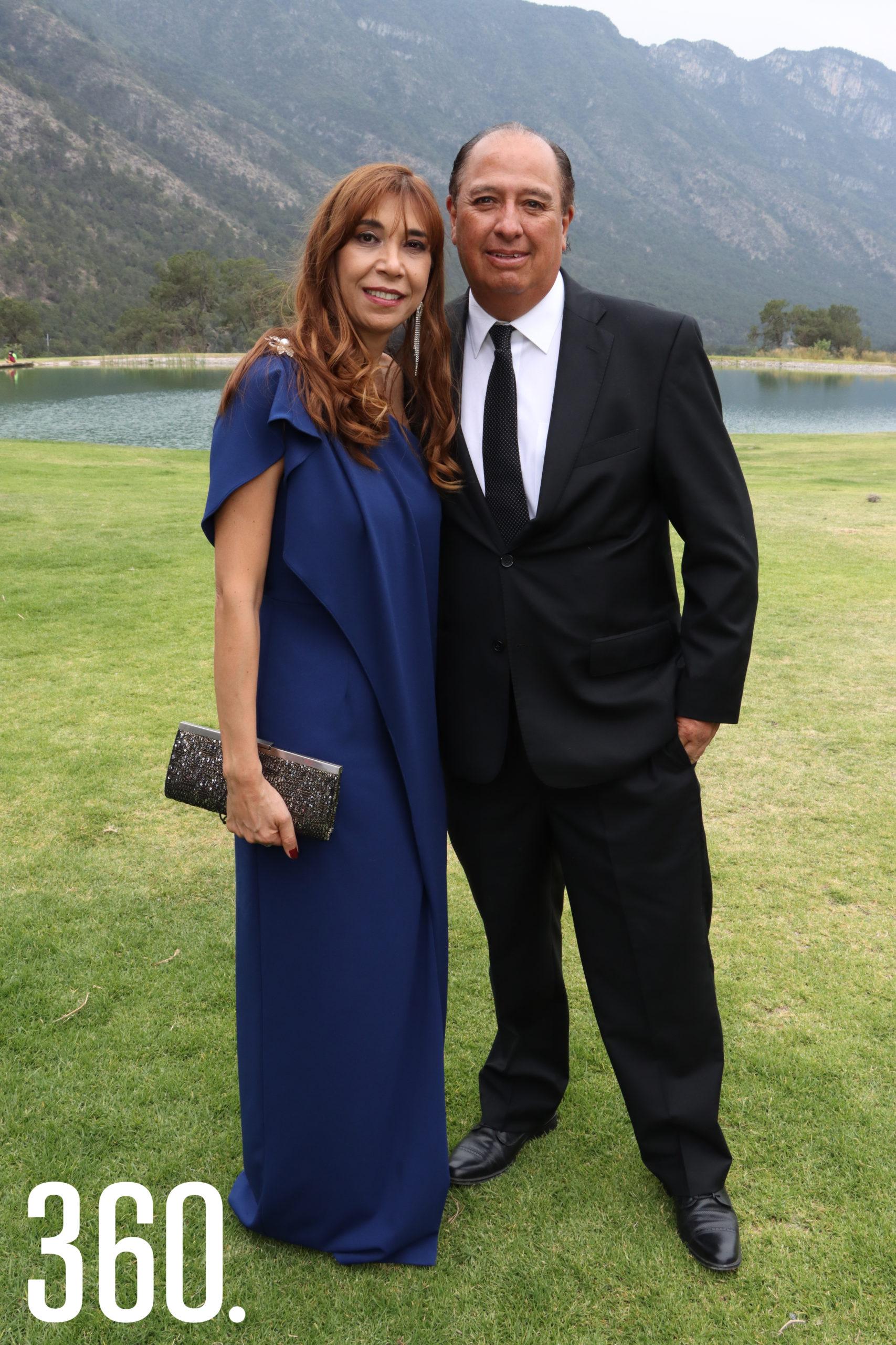 Ileana Pérez y Luis Elizondo.