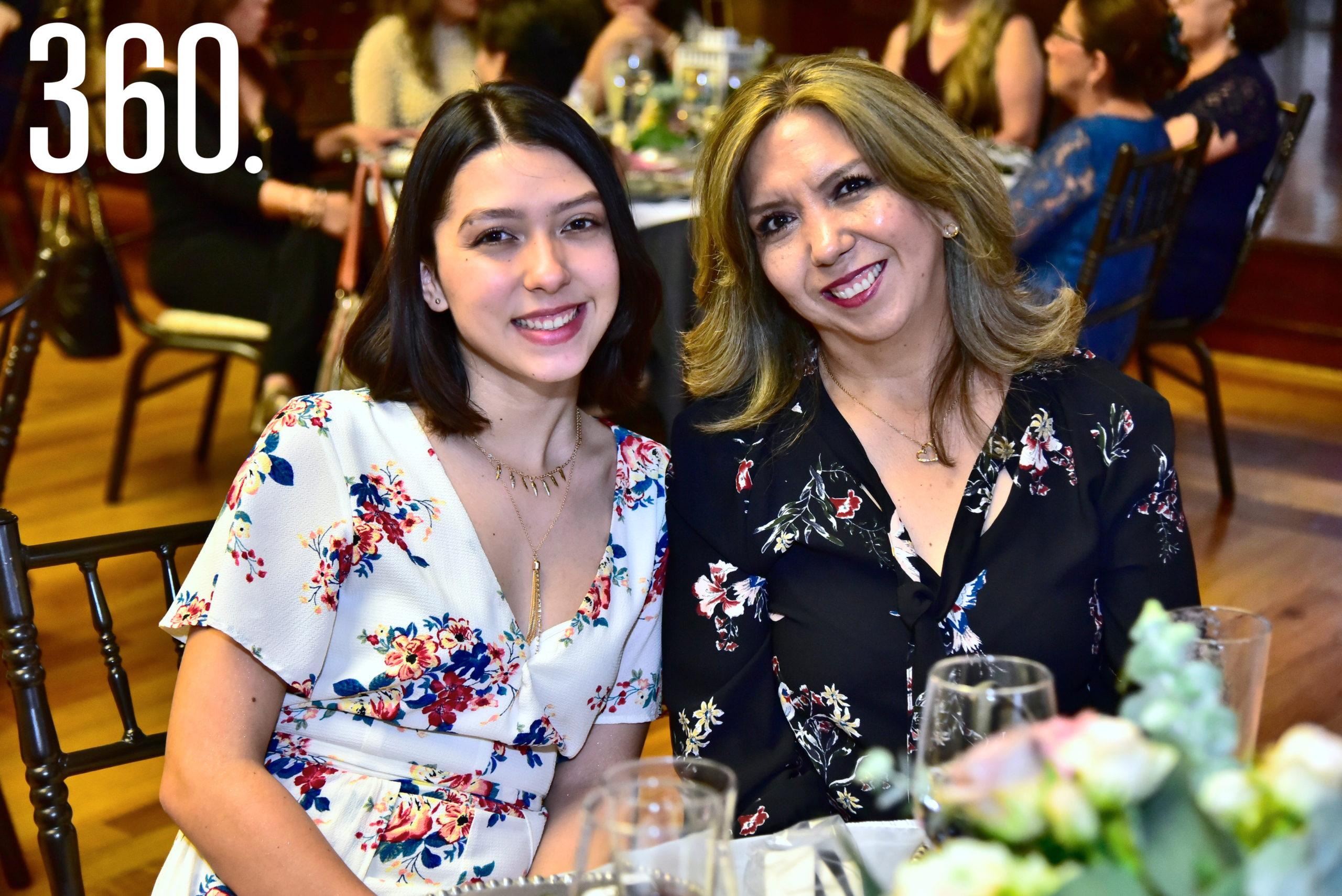 Ana Sofía Tamez y Ana María Gil.