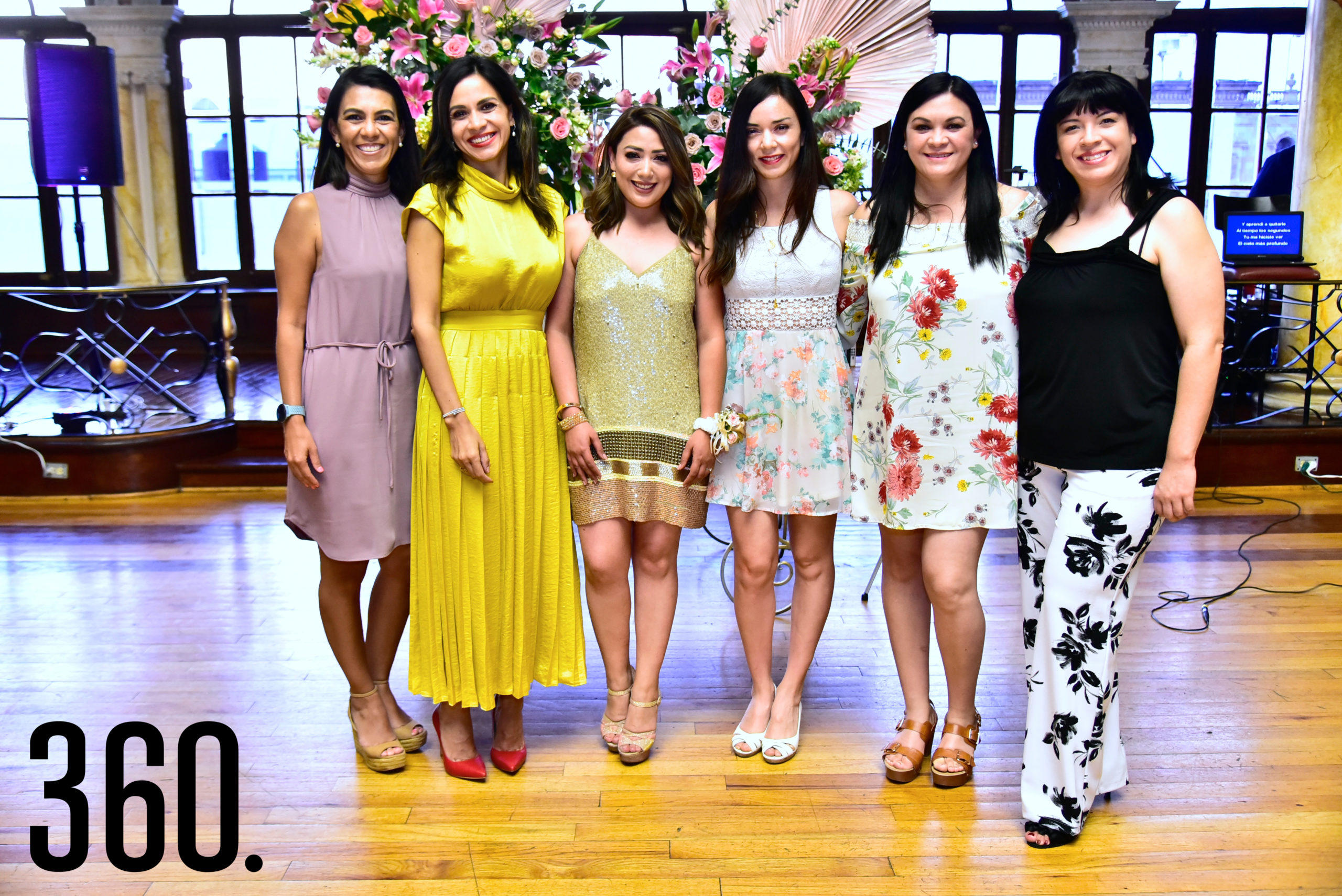 Laura, Carolina, Diana, Lilian, Paty y Rocío Mendoza.