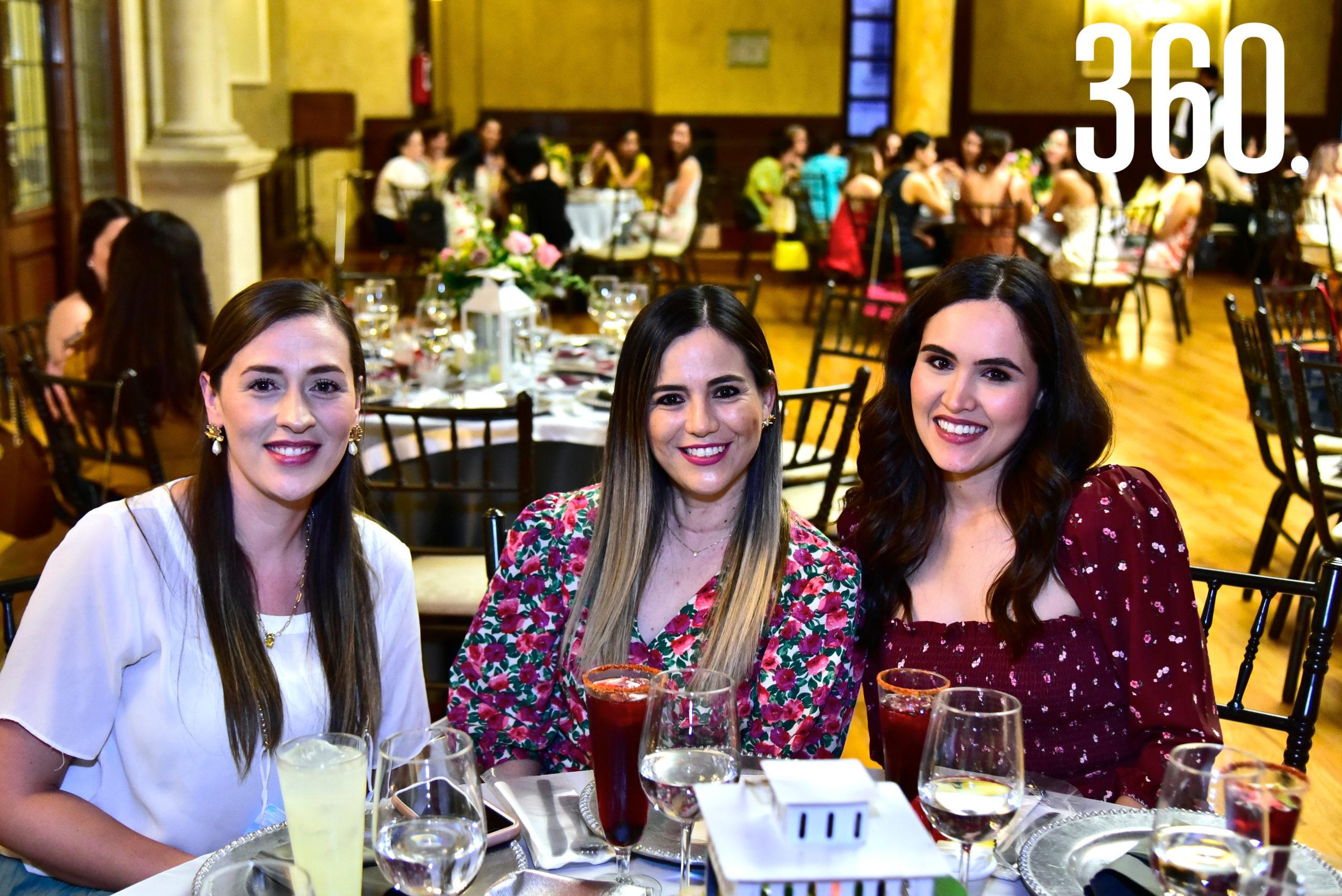 Montse Suárez, Liliana Rodríguez y Ana Cecilia Santos.