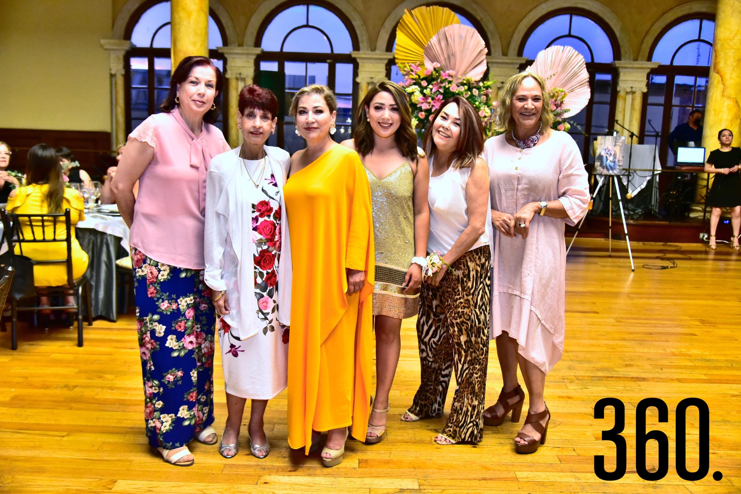 Marielena Cepeda, Rosalinda Cepeda, Patricia Tamez Leal, Diana Mendoza, Irma Dávila y Sonia Bleidt.