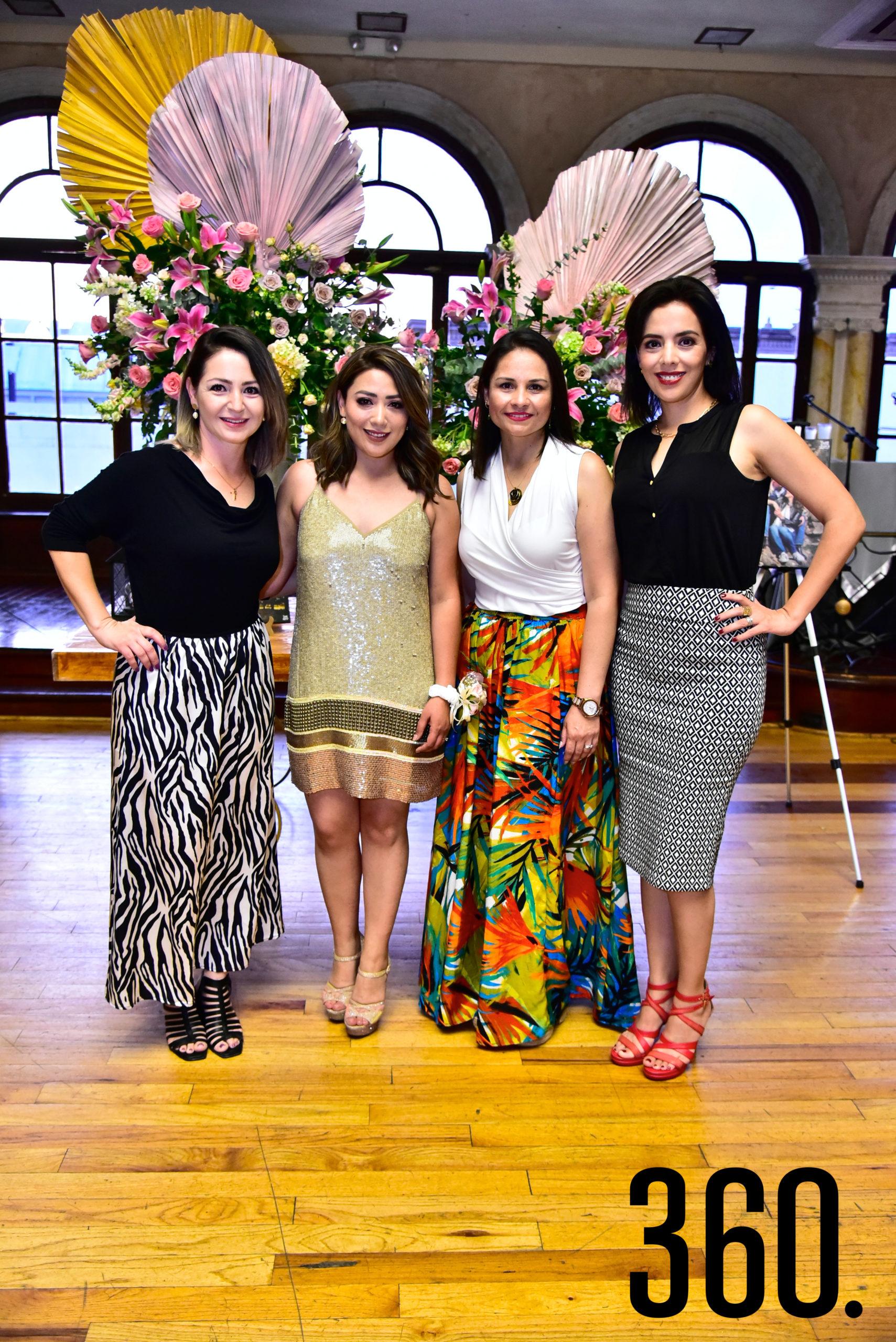 Maye Valdés, la festejada, Gaby Melo y Elsa Ortiz.