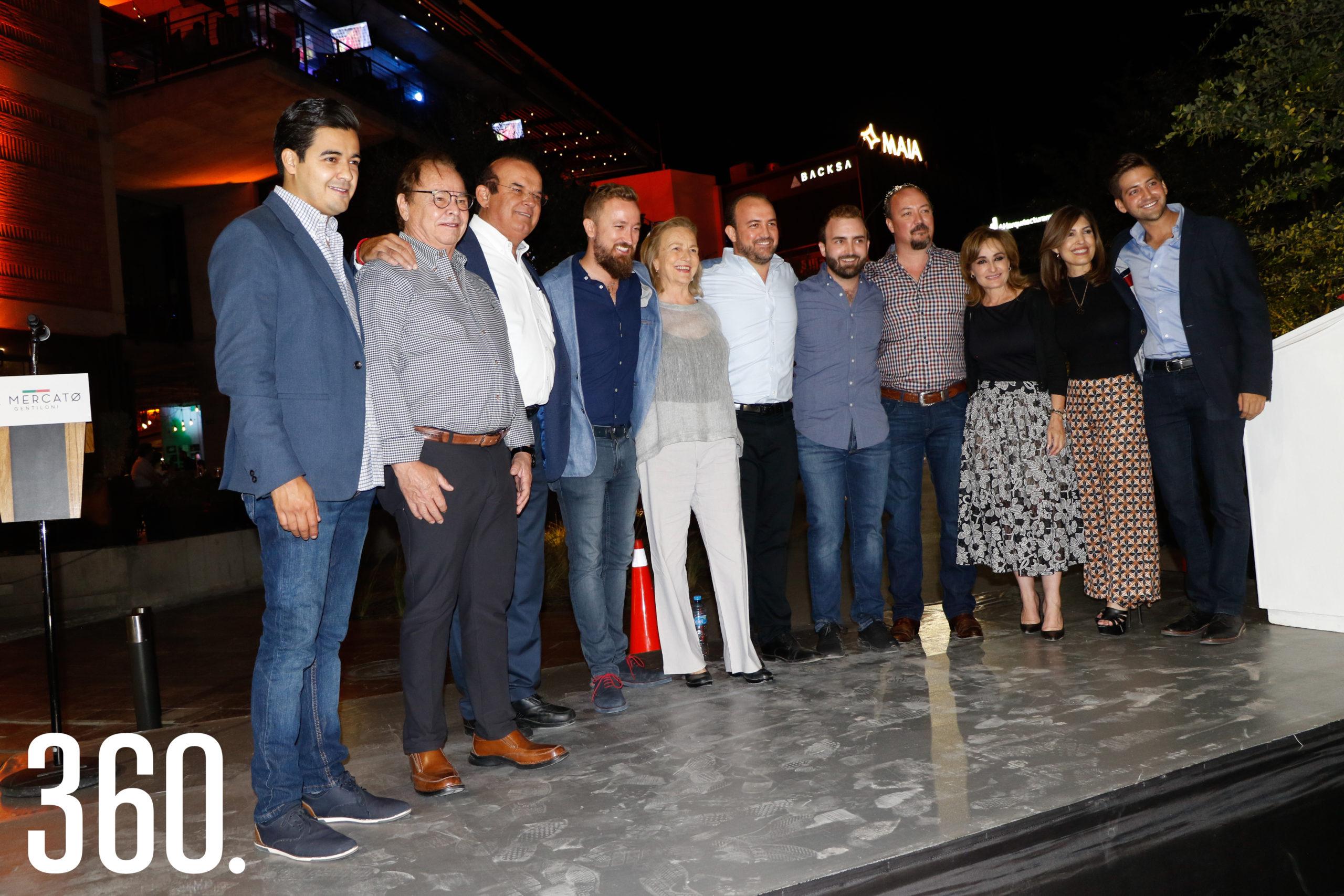 Eder López, Roberto Bernal, Jaime Guerra, Fabio Gentiloni, Beatriz Arizpe, Blas Gentiloni, Pedro Gentiloni, Lito Gentiloni, Azucena Ramos, Sofía Camil y Blas Flores.