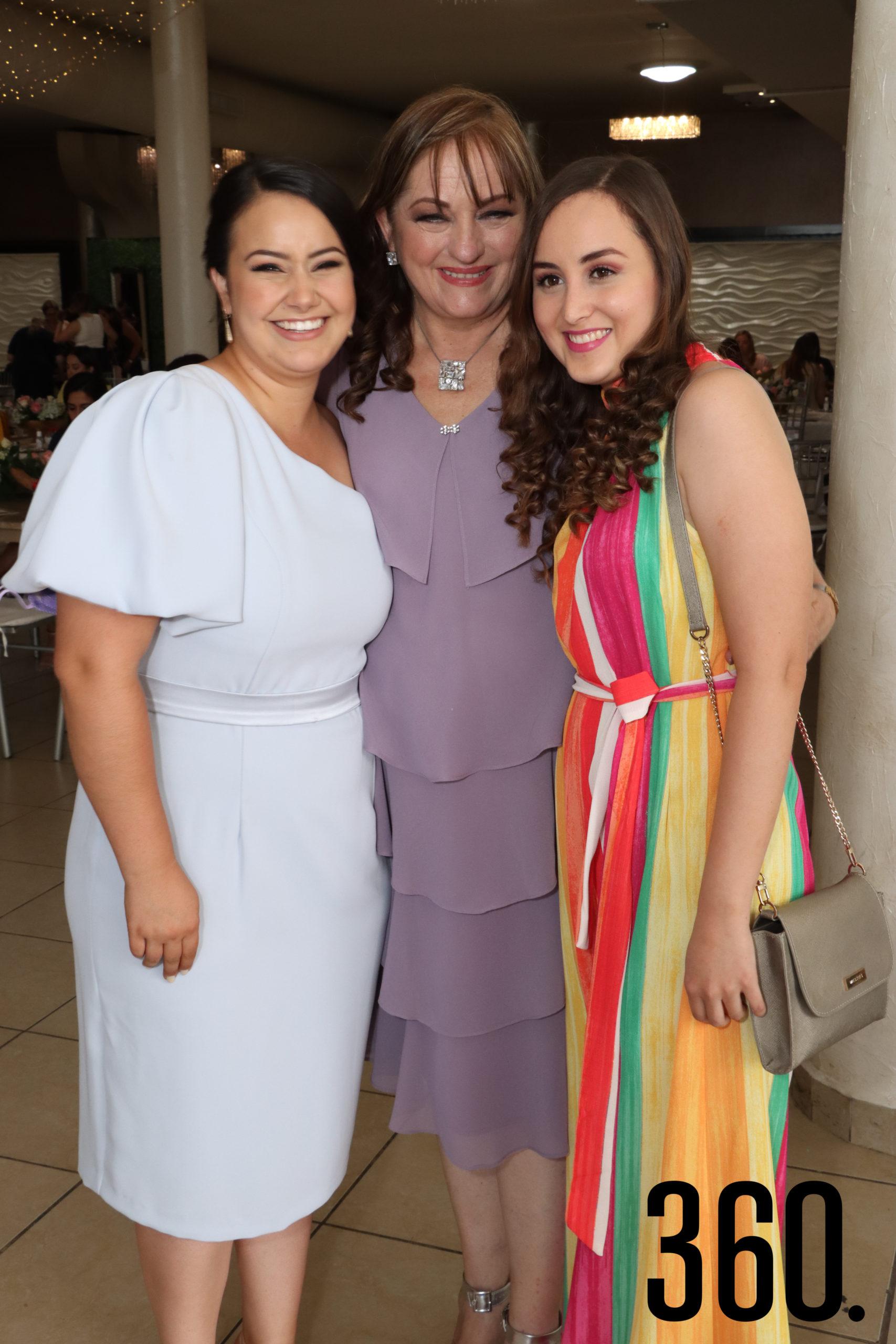Paulina Aguirre, Sandra Peart y Ángela Guerrero.