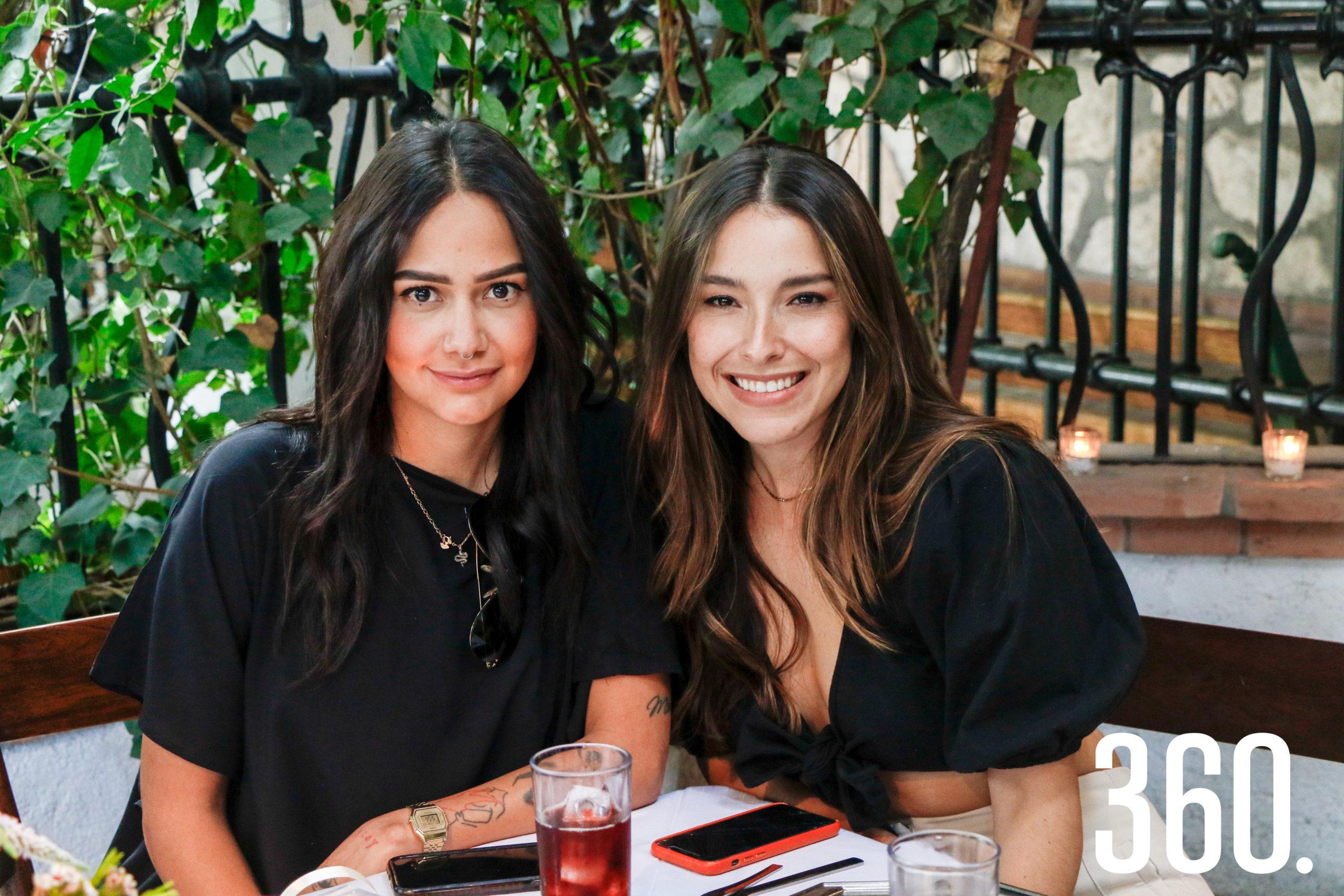 Sandra Dávila y Paty Alvarado.