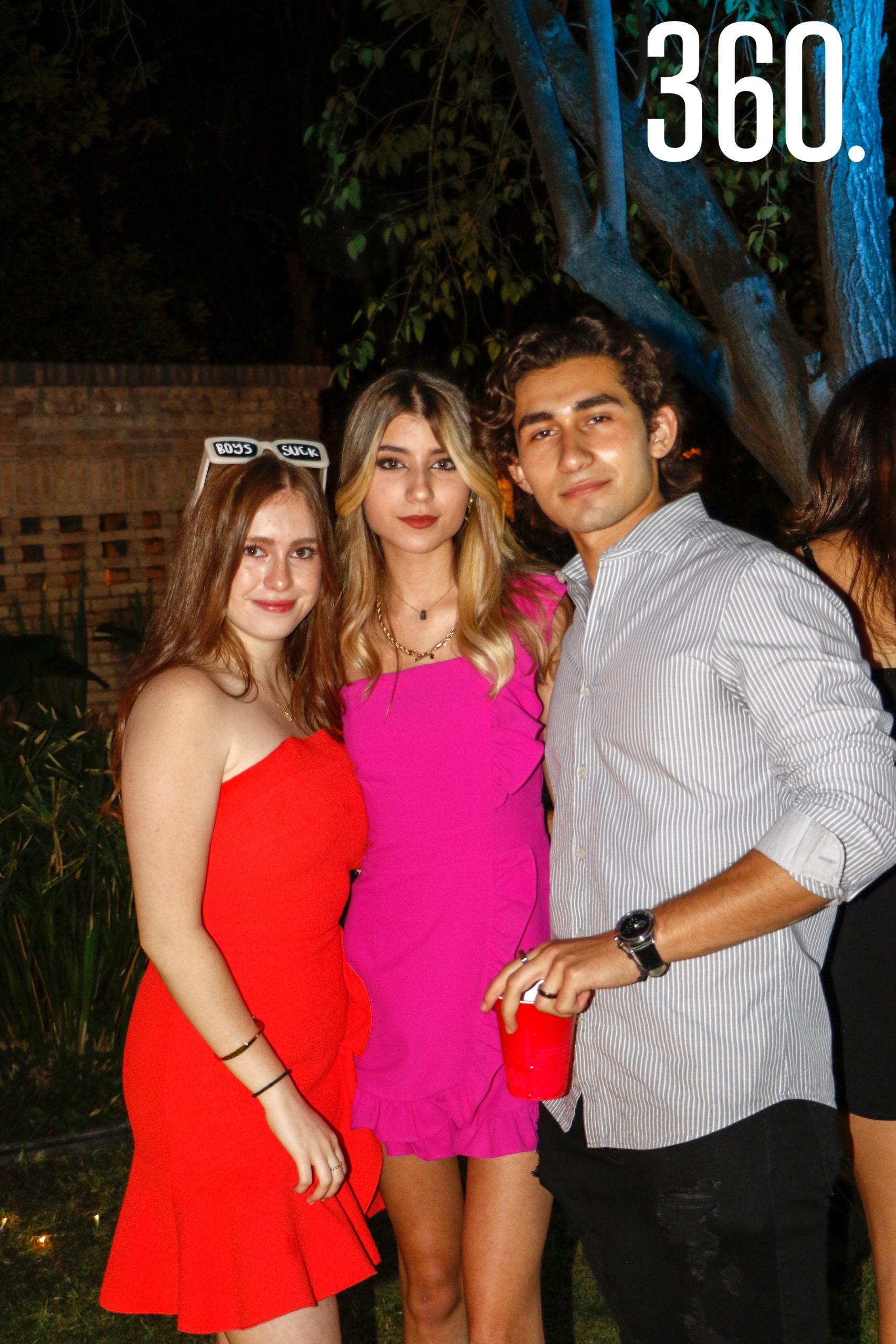 Lorena Verduzco, Denisse Guzmán y Rubén Escudero.