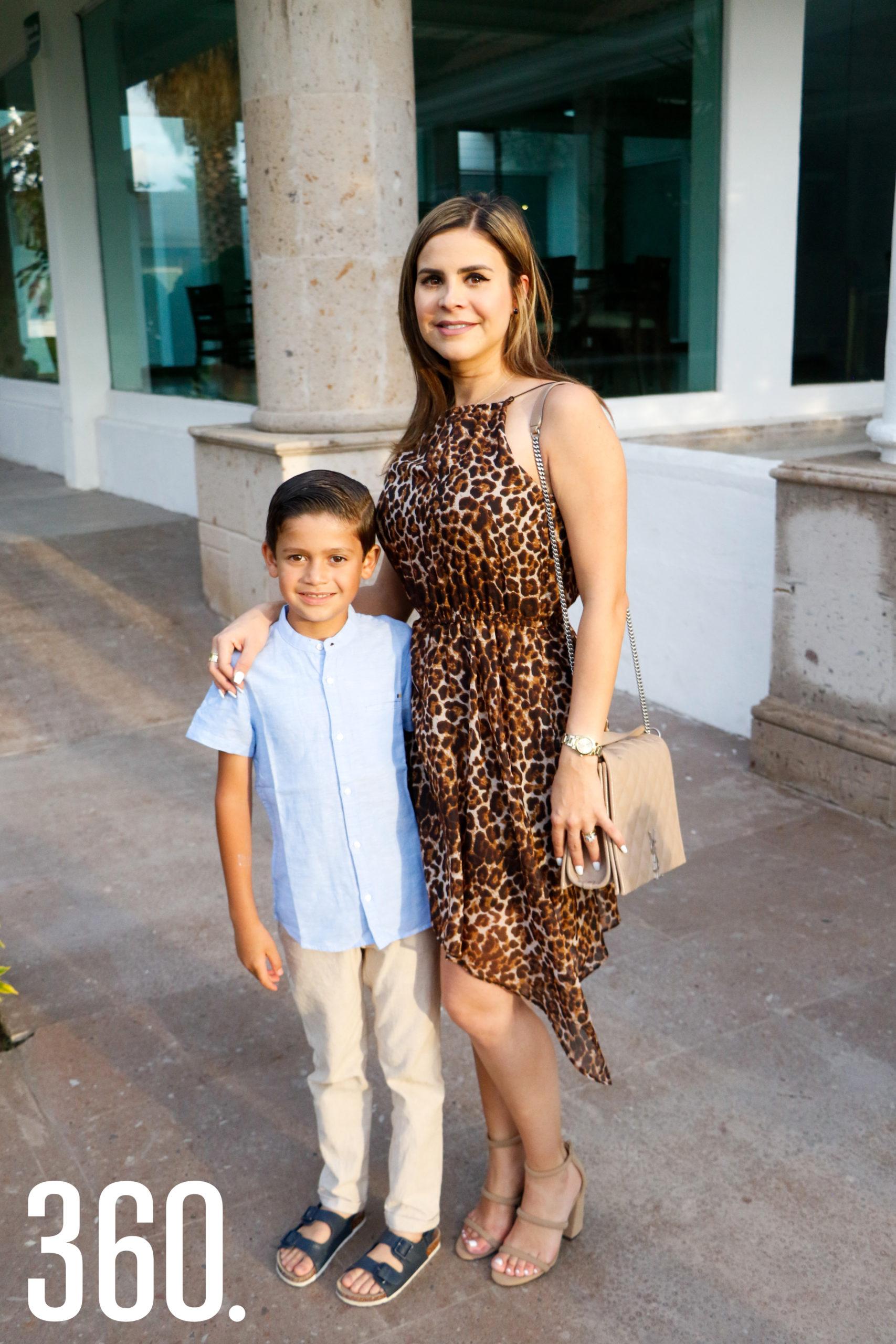 Gera Villarreal y Kiny Hernández.
