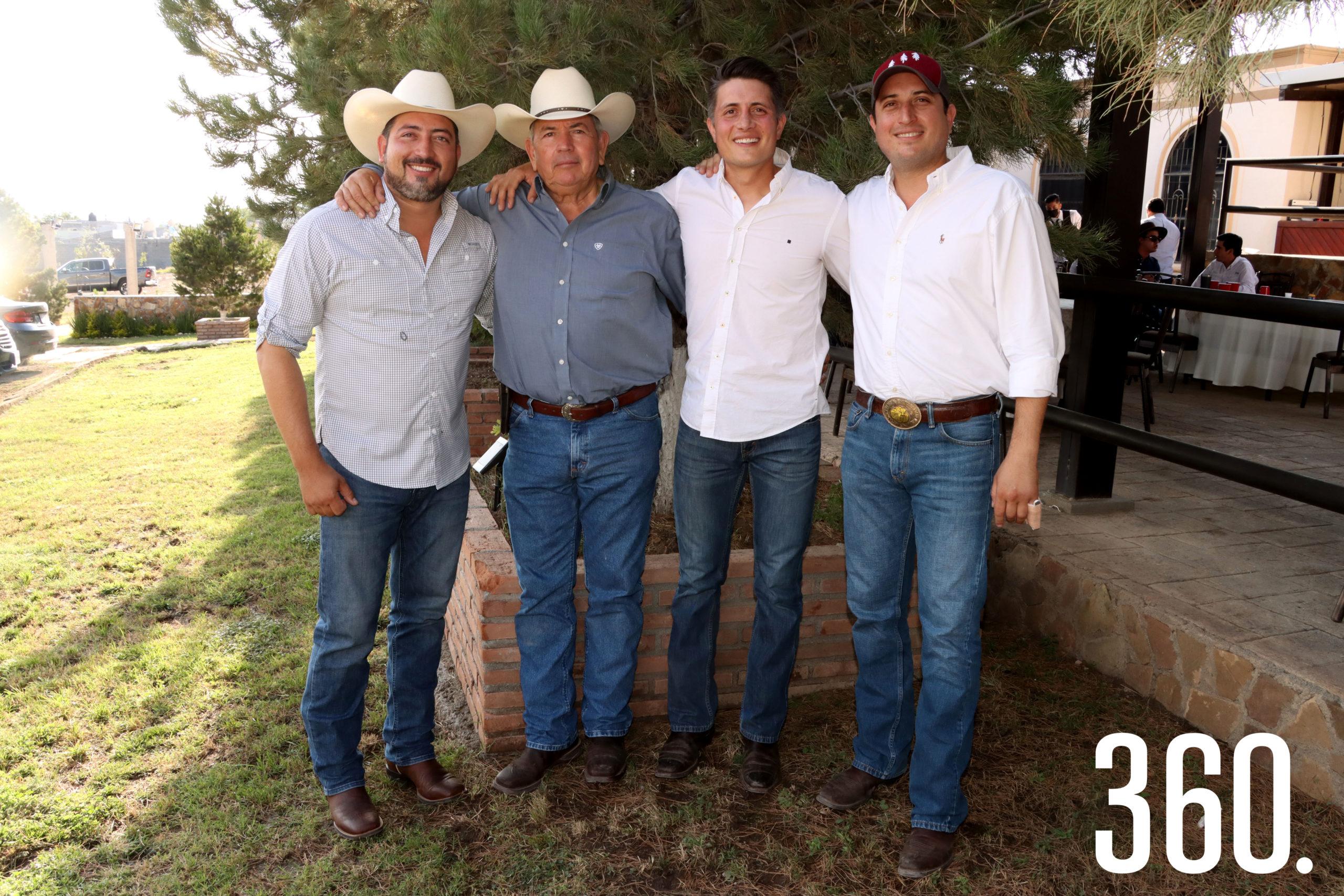 Su papá, Alberto Prado Delgado, y sus hermanos Fernando y Guillermo Prado organizaron la despedida.