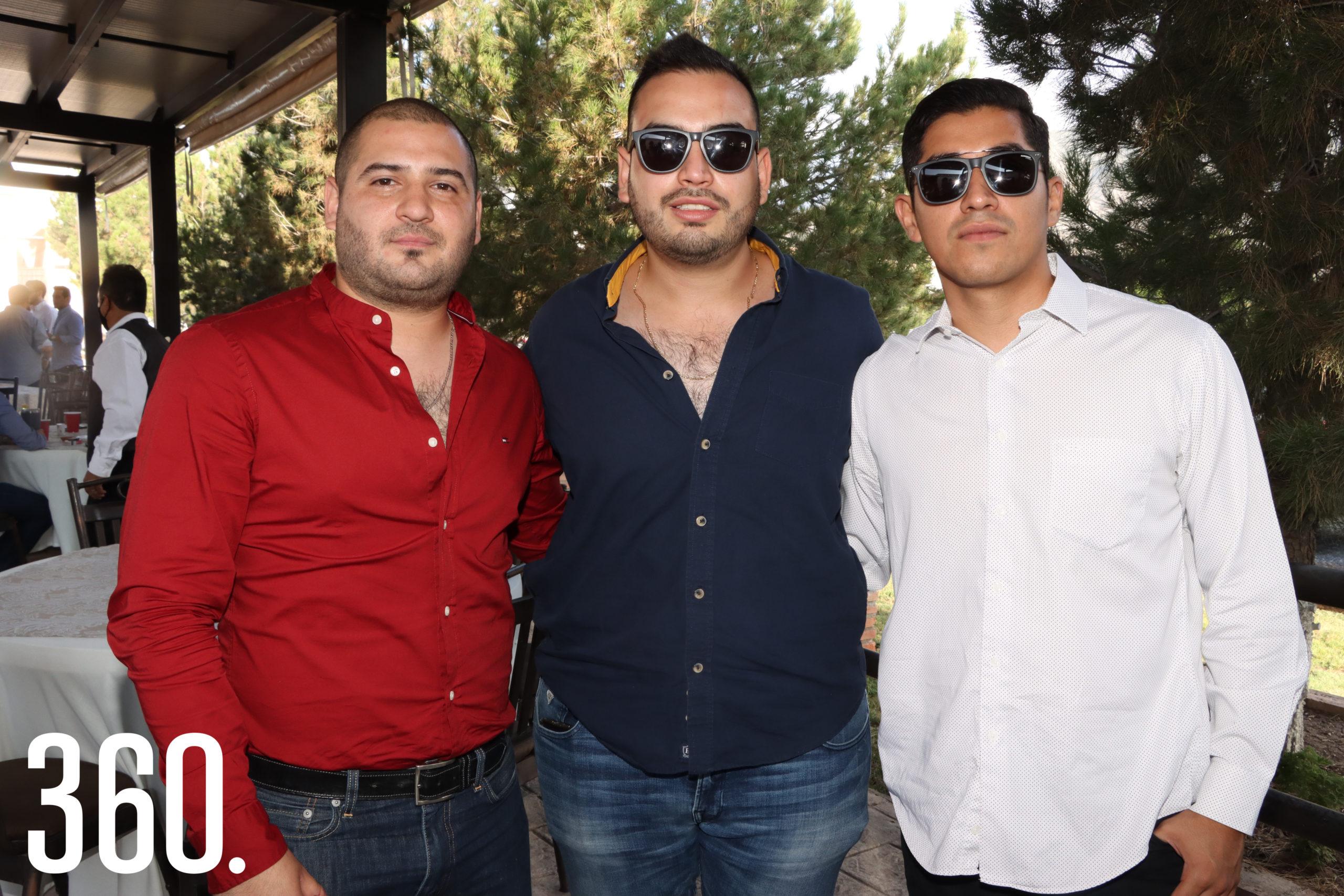 Javier D Estefano, Keops Vázquez y Alan Aguilar.