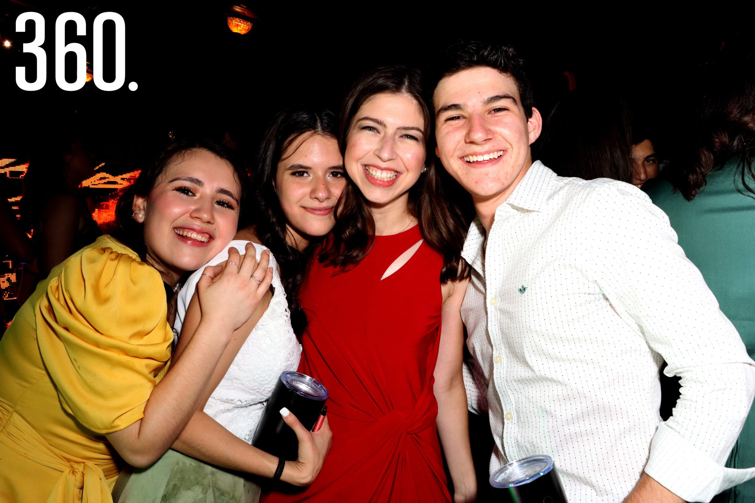 María Siller, Andrea Perales, Natalia Gutiérrez y Eugenio Álvarez.
