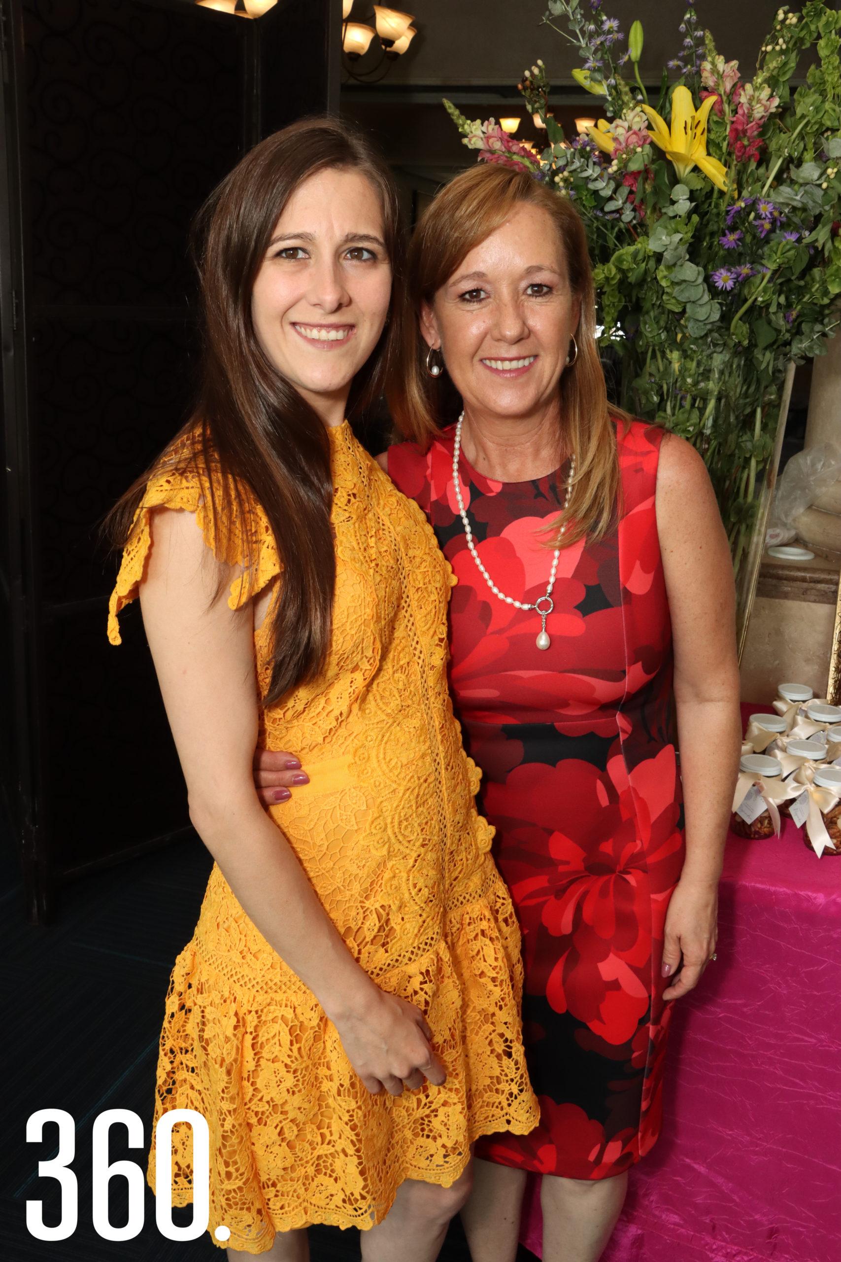 Alejandra del Bosque con su mamá, Alejandra Cárdenas.