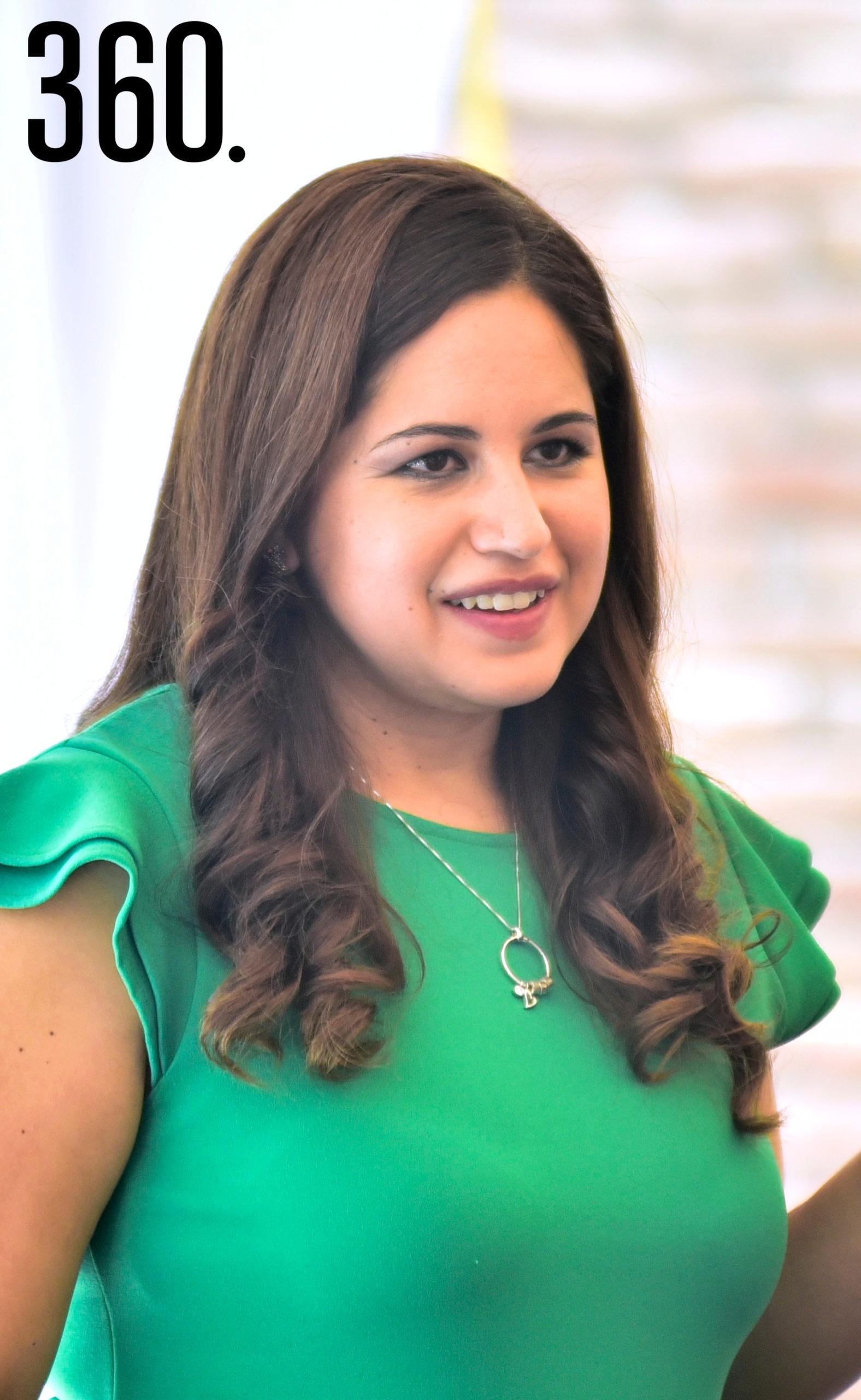 Andrea Cabello.