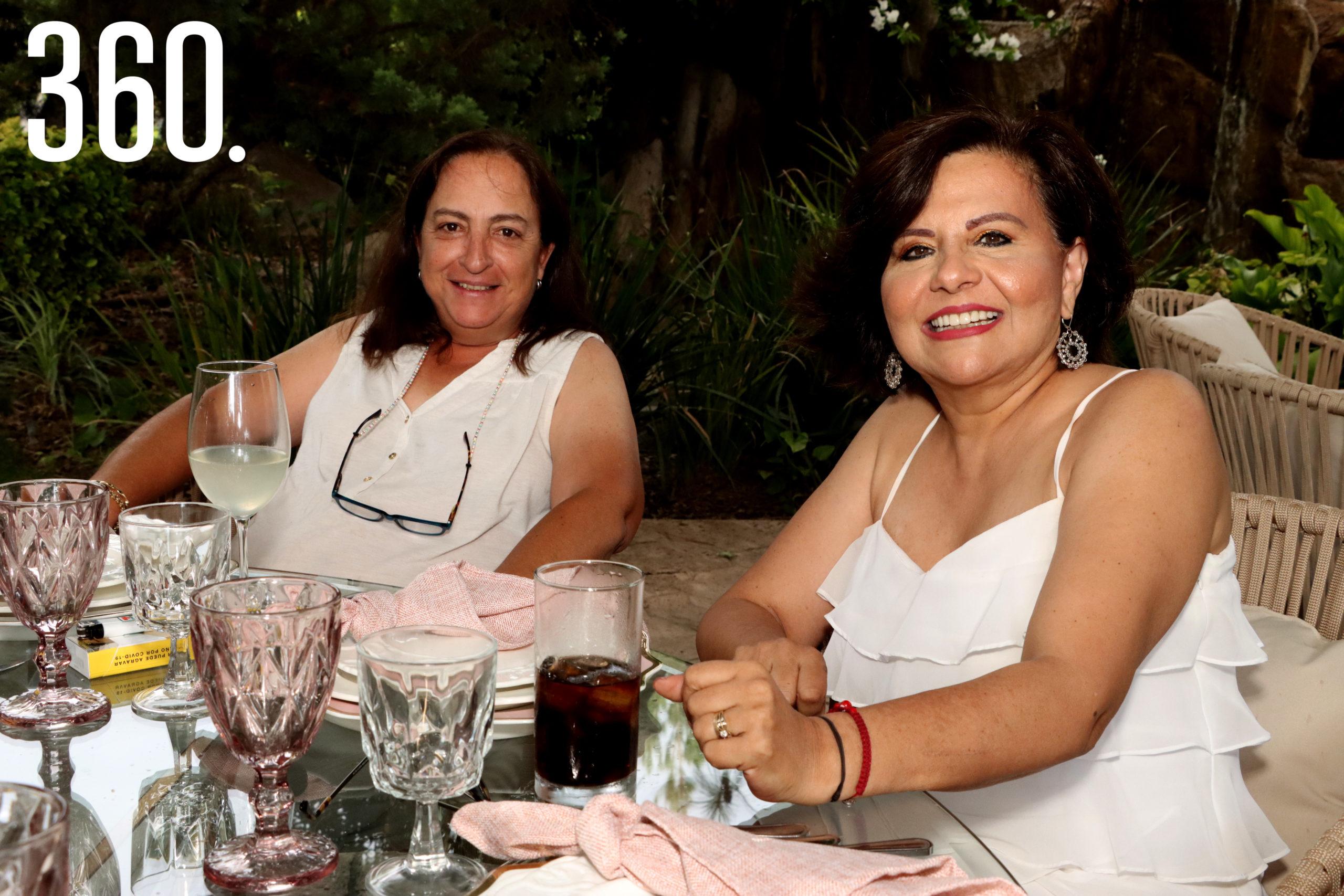 Miriam Echevarría y Olga Durón.