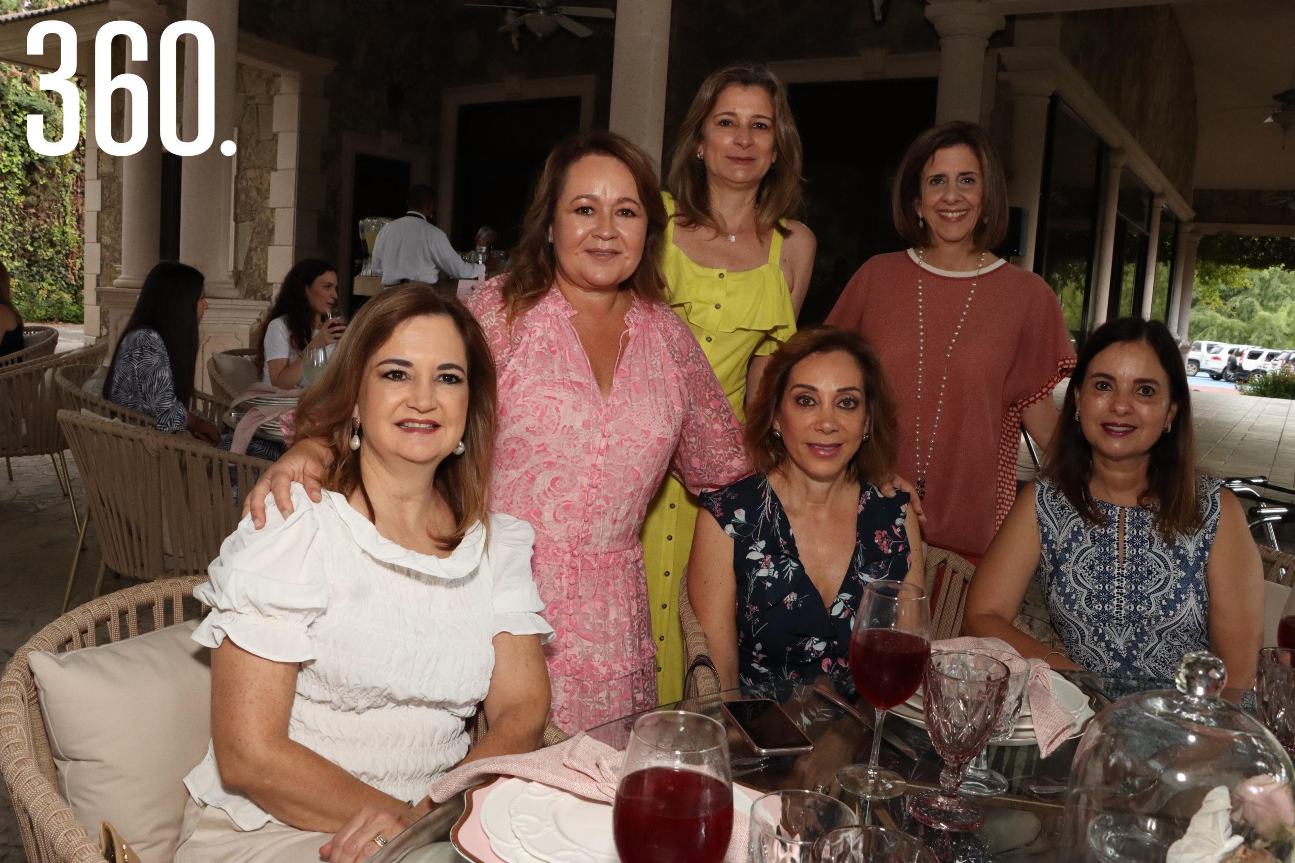 Fernanda Osuna, Magdis Cárdenas, Terecata del Bosque, Silvia Perales, Conchalupe Arizpe y Rocío Alvarado.