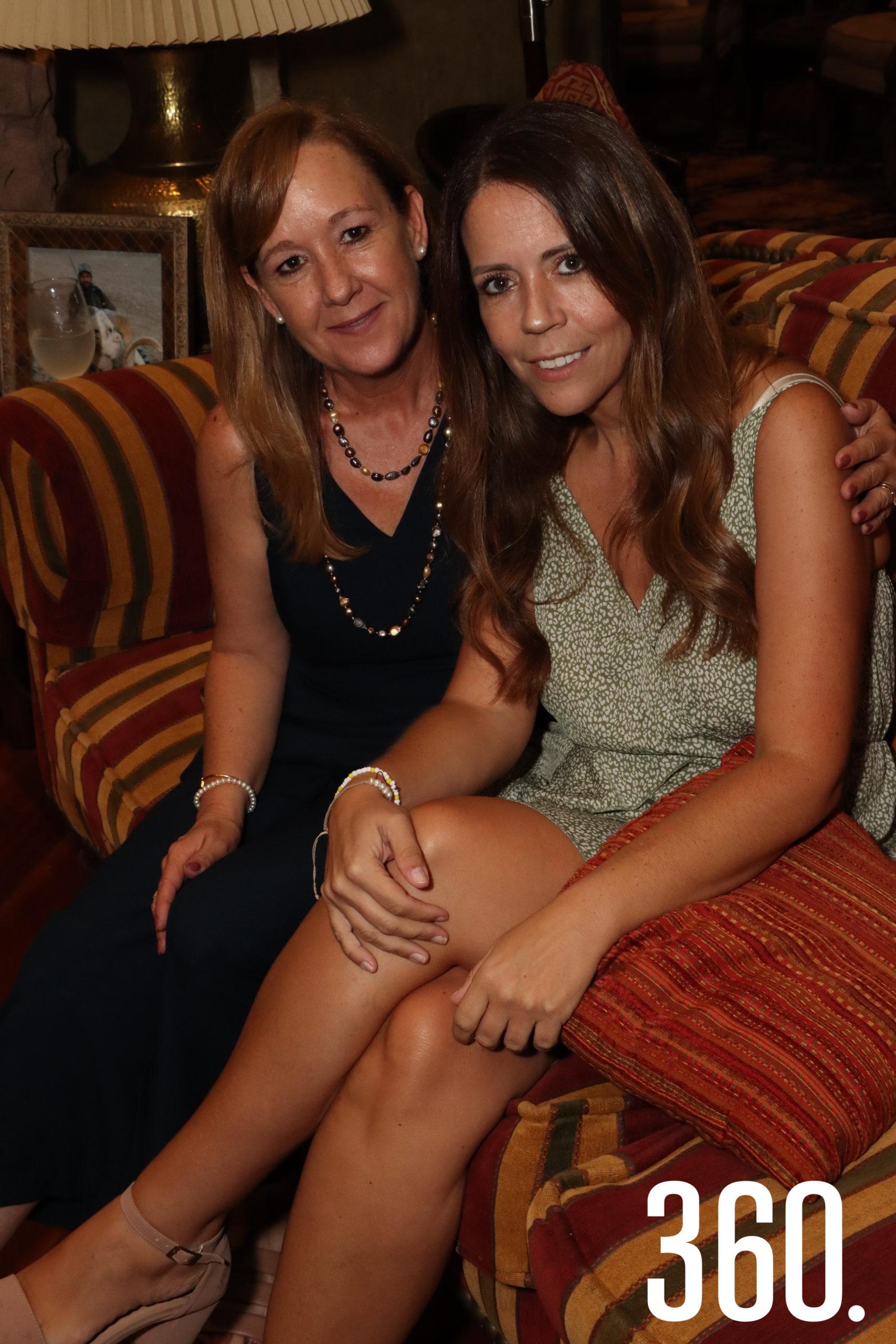 Alejandra Cárdenas y Karol Gómez.