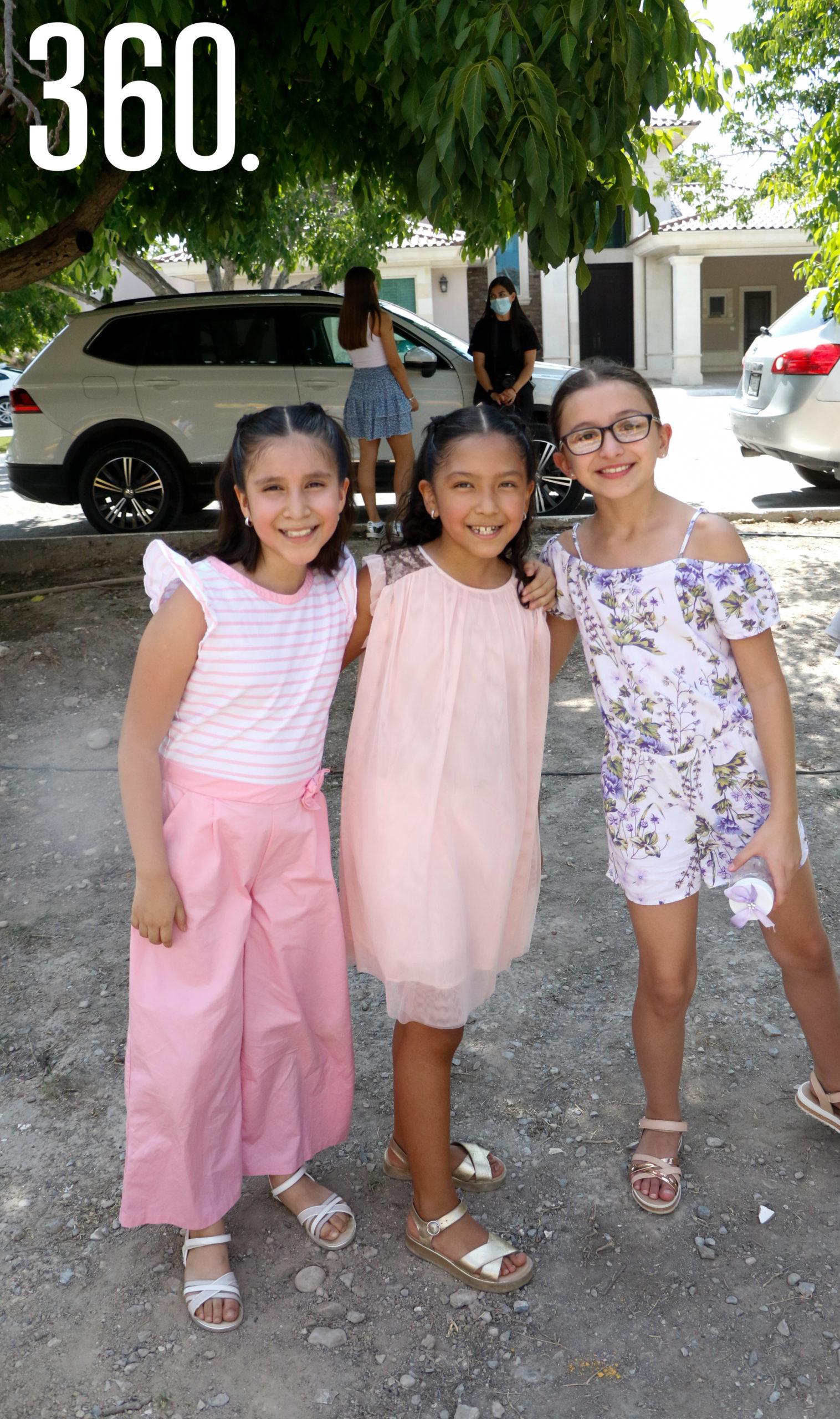 Ana Victoria Pérez, Natalia Coronado y María Elizondo.