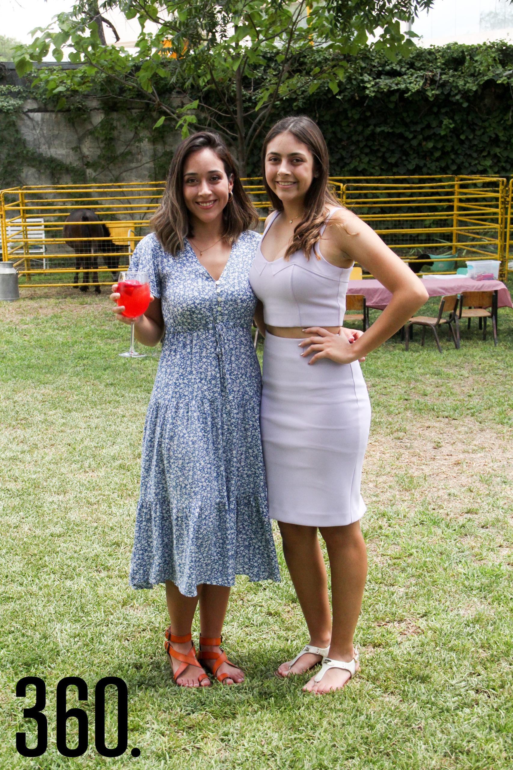 Andrea y Alexandra Sandoval.