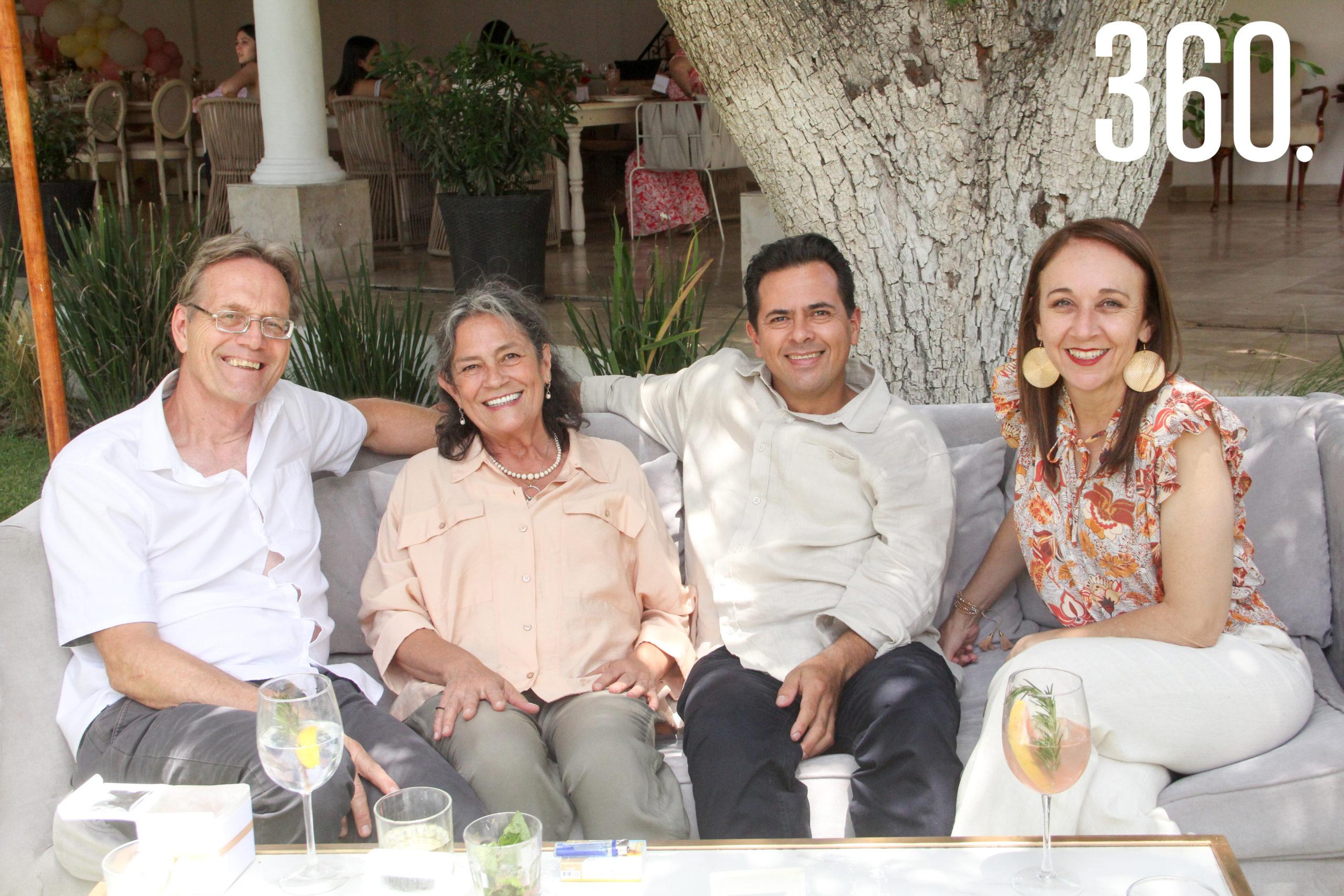 Jan Kuijt, Claudia Rumayor, Roberto Sandoval y Vero Flores.