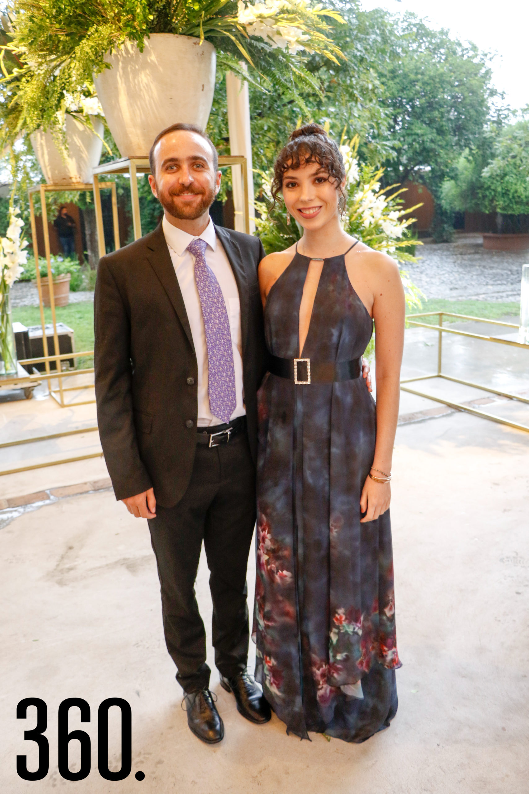 Memo Dávila y Rebeca González.