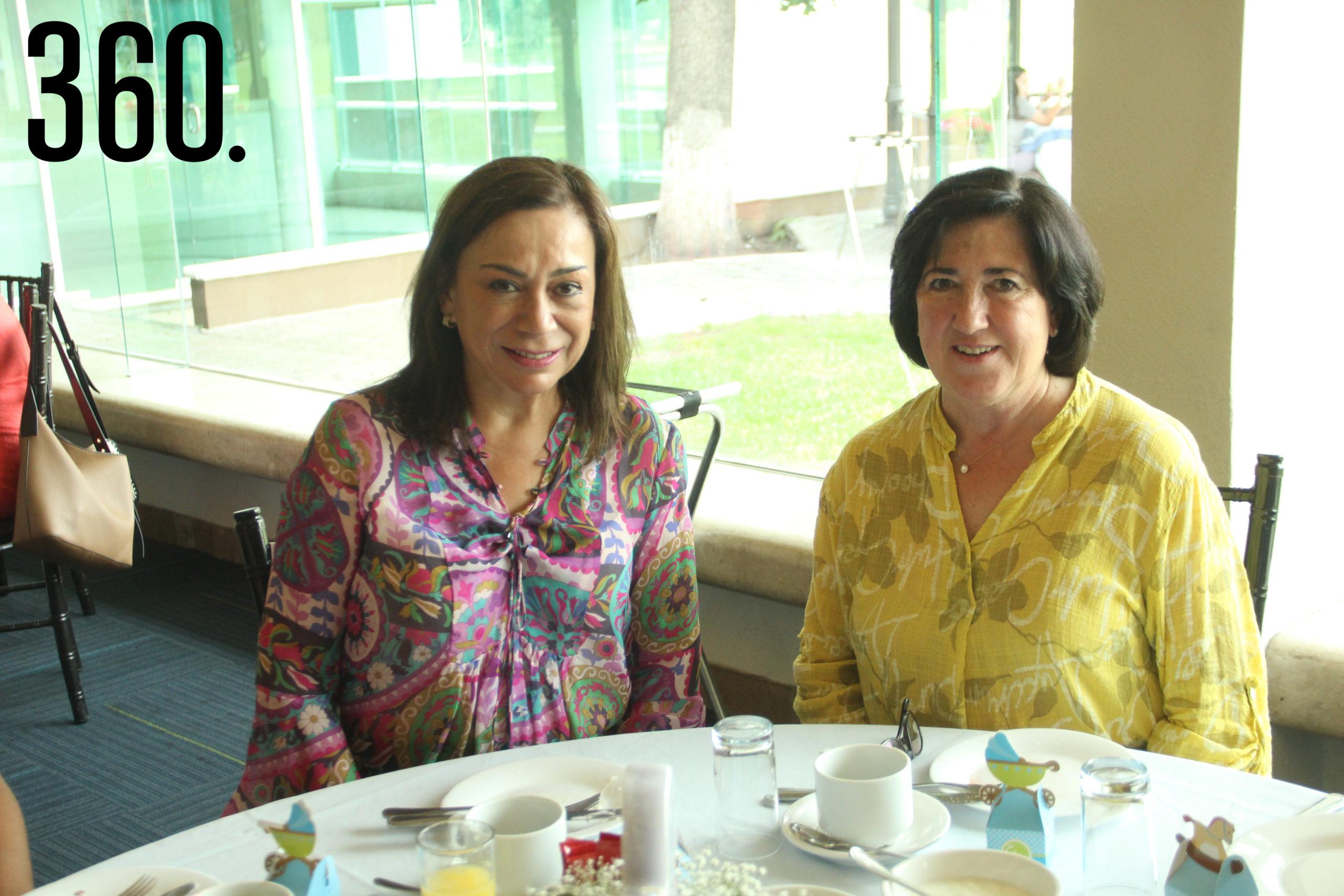 Lucía de las Fuentes y Lourdes Lobo.