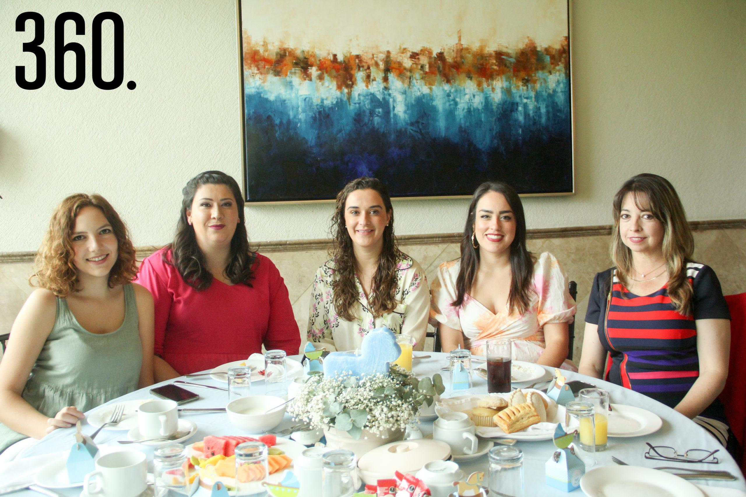 Andrea castilla, Nélida Villarreal, Ana Lucía Paz, Ilsse Garza y Lily Martínez.