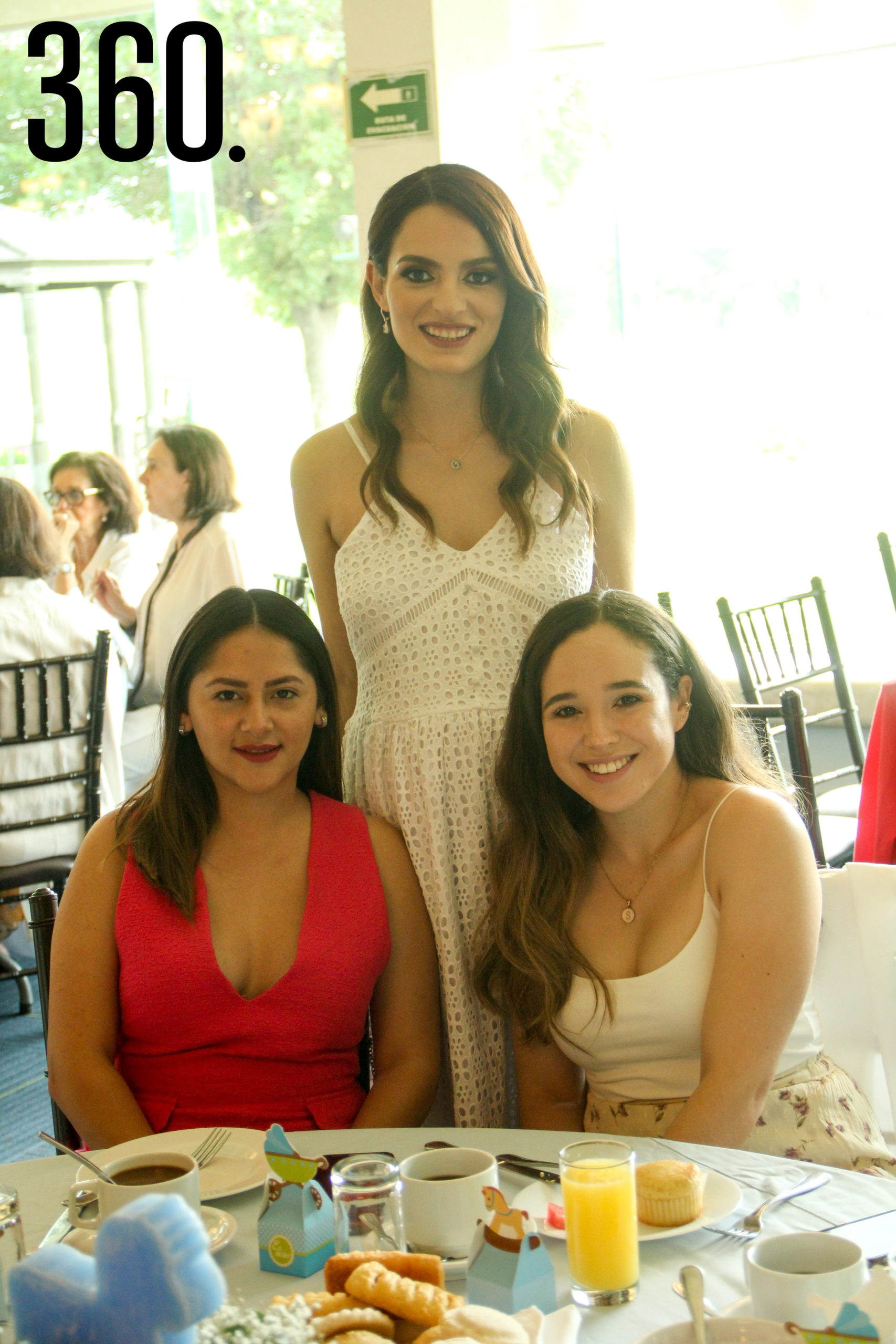 Amparo de las Fuentes, Sofía Romero y Karina Leos.